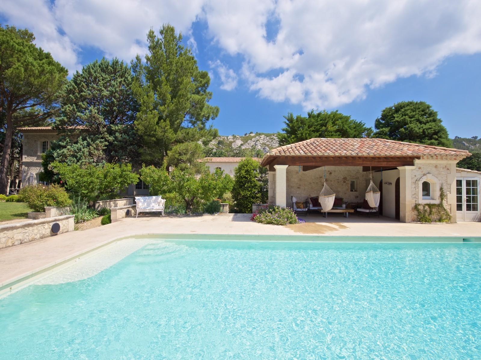 Saint Rémy De Provence Luxury Rental Villa Molduvite Pool