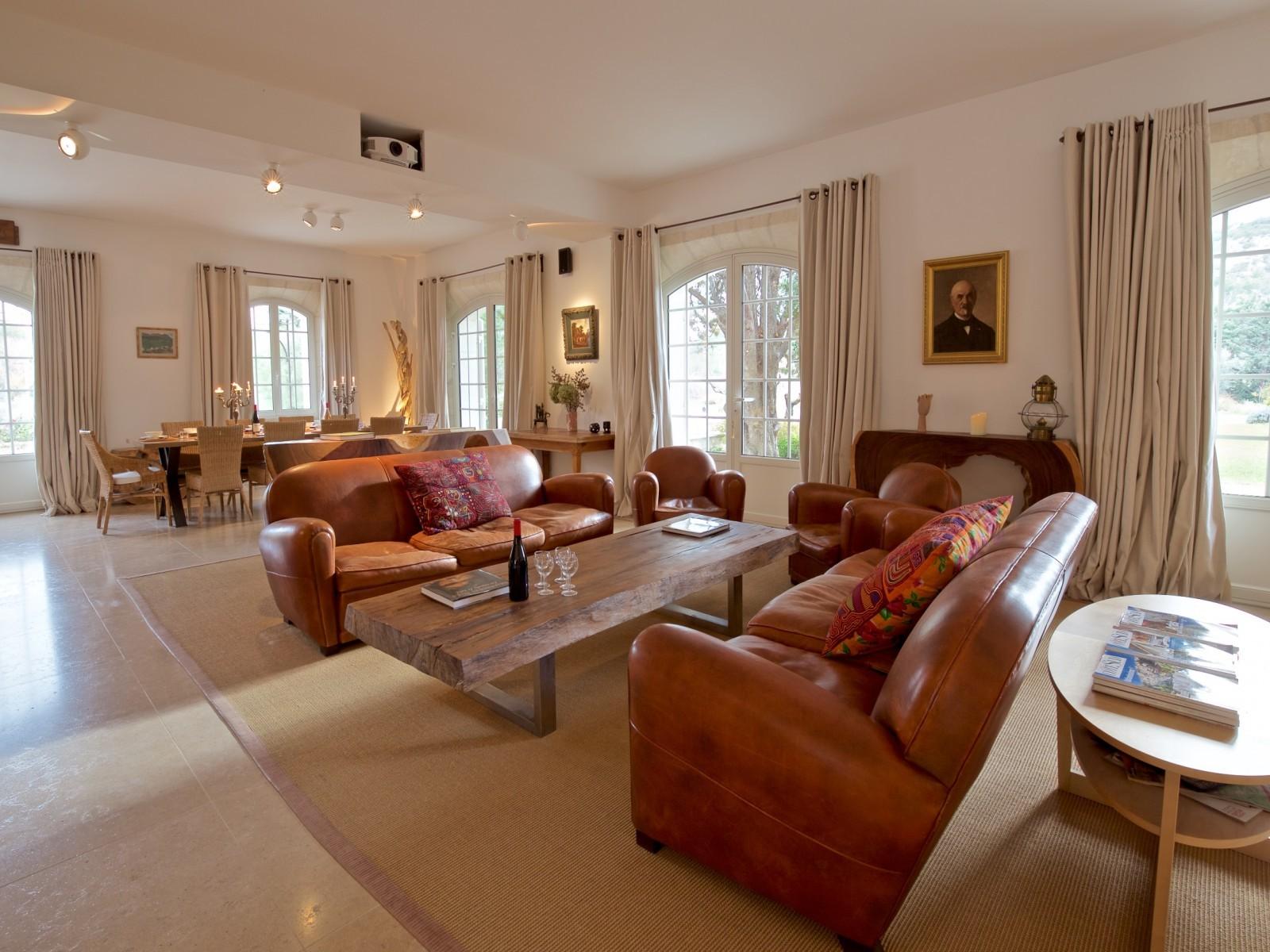 Saint Rémy De Provence Luxury Rental Villa Molduvite Living Room 2