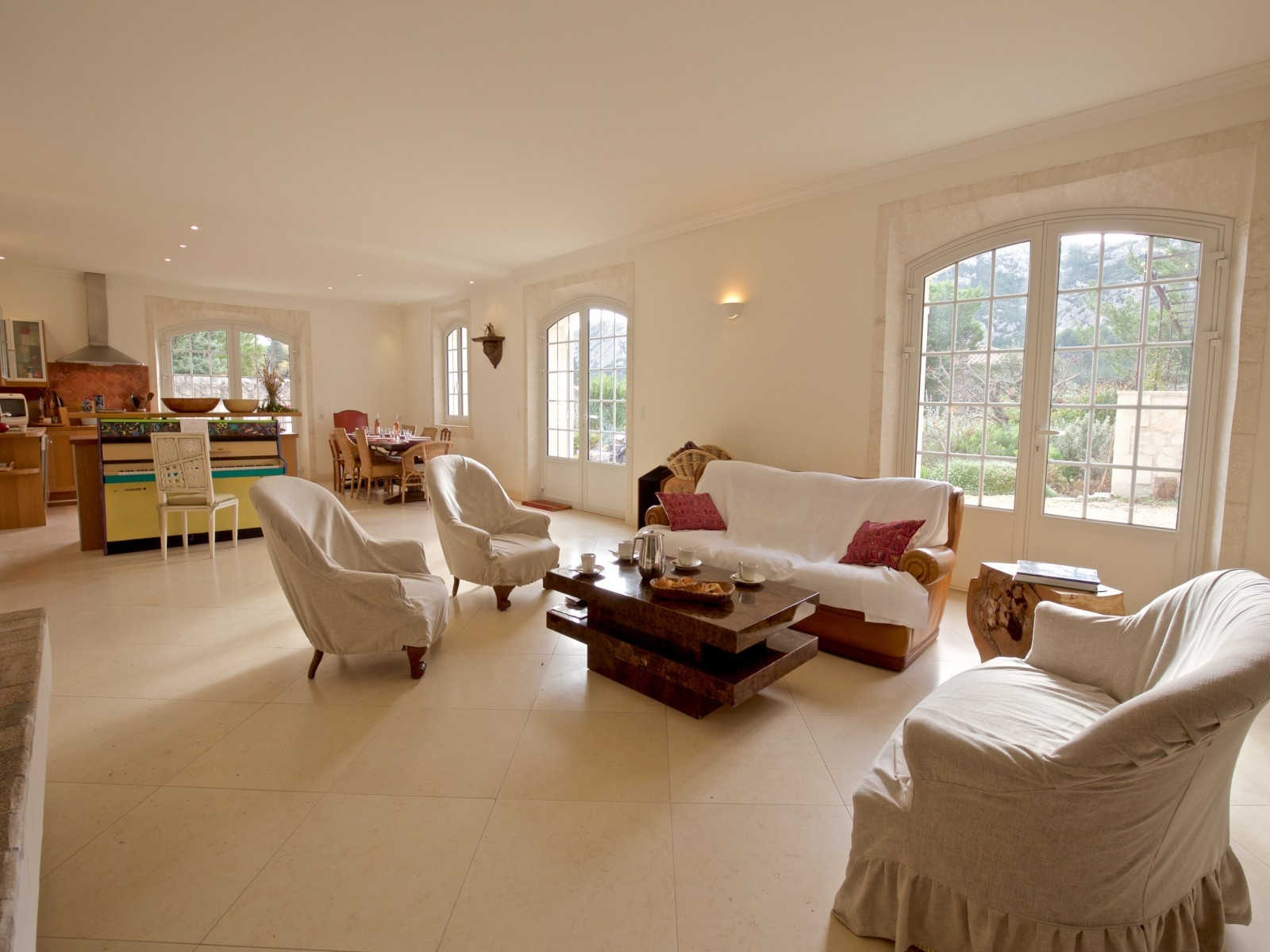 Saint Rémy De Provence Luxury Rental Villa Molduvite Living Room 3