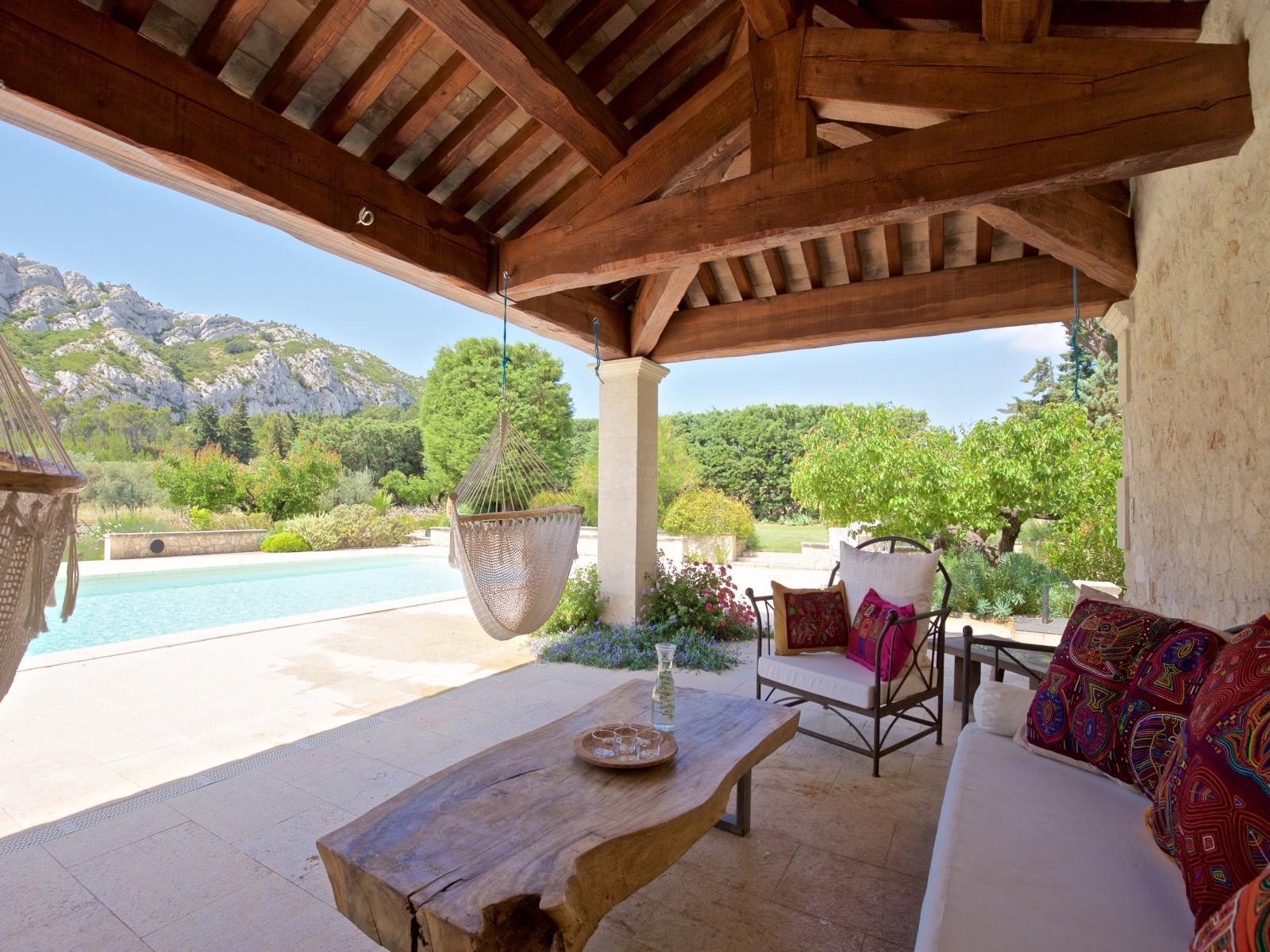 Saint Rémy De Provence Luxury Rental Villa Molduvite Terrace 2