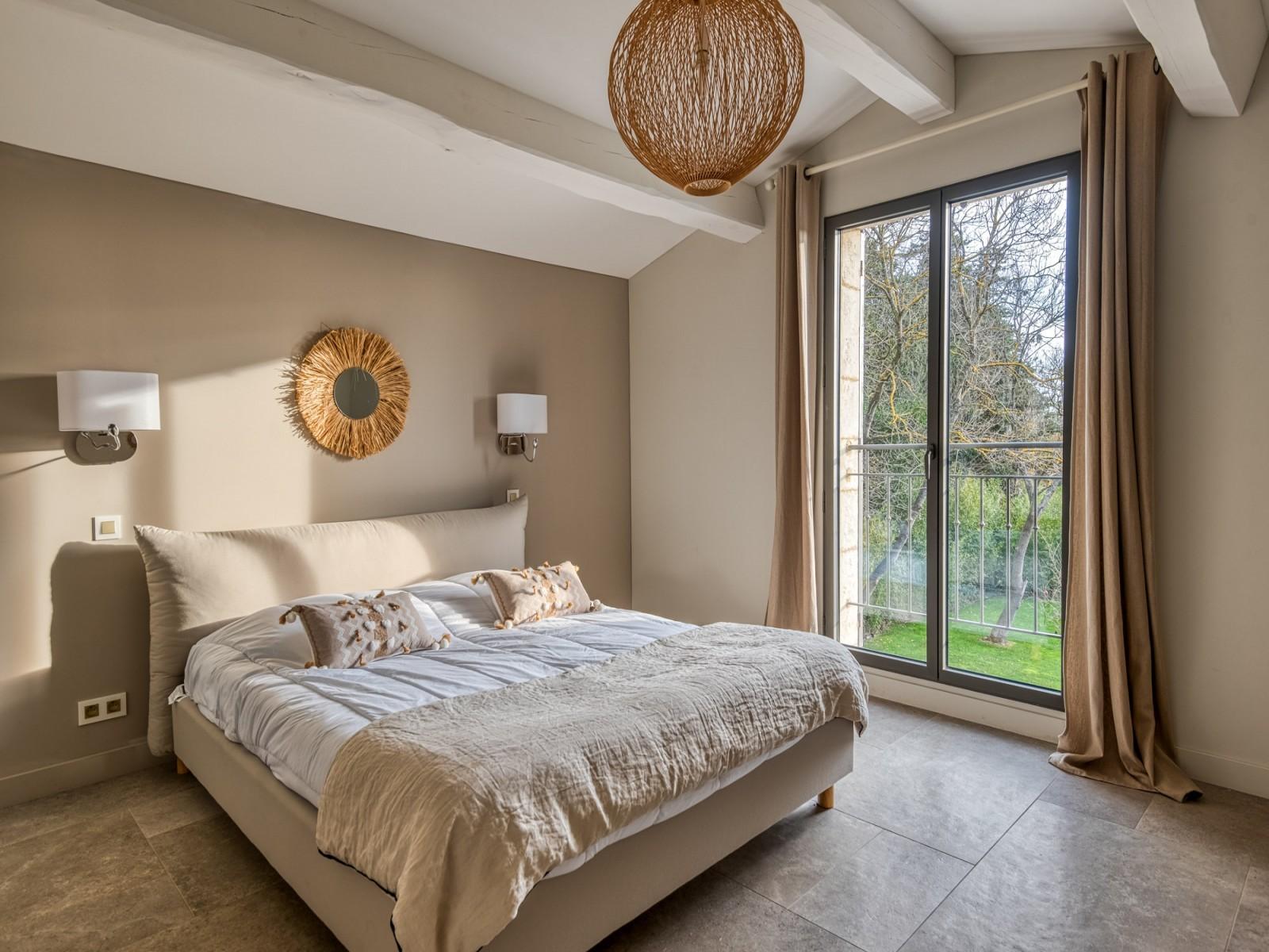 Saint Rémy De Provence Luxury Rental Villa Murcasite Bedroom