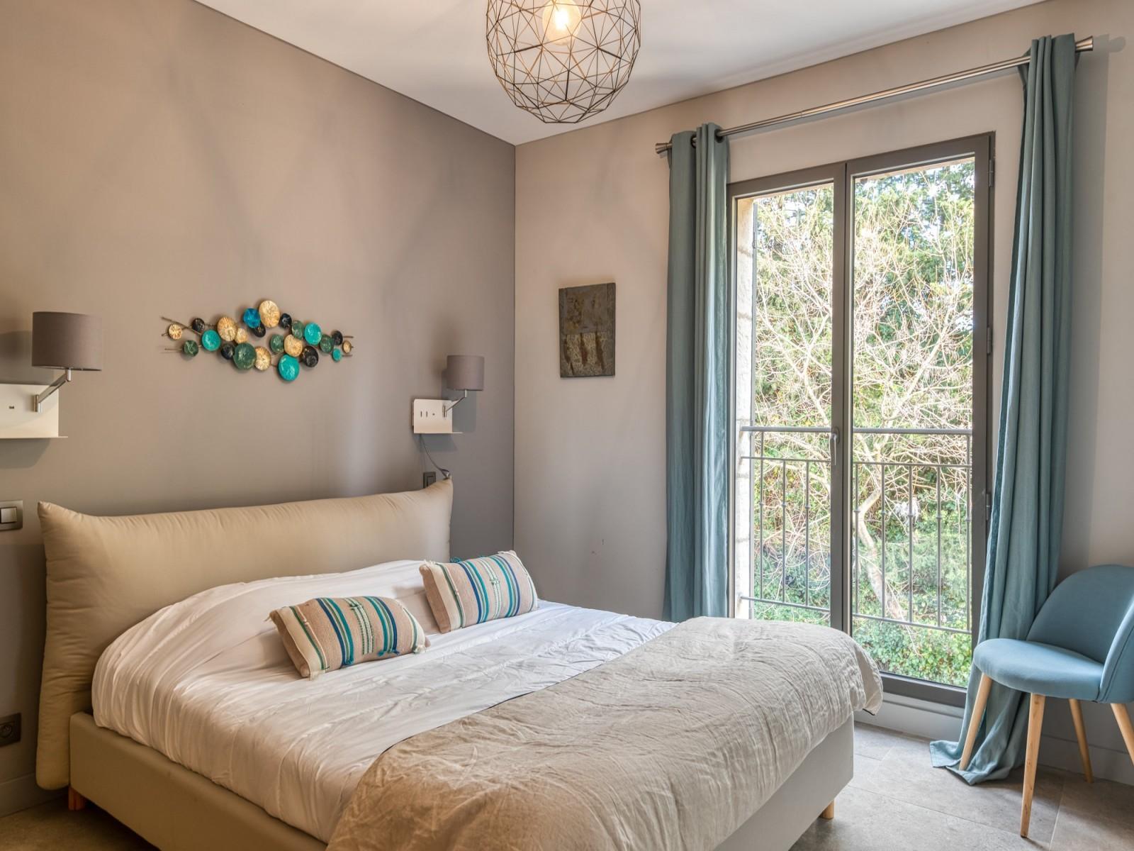 Saint Rémy De Provence Luxury Rental Villa Murcasite Bedroom 5