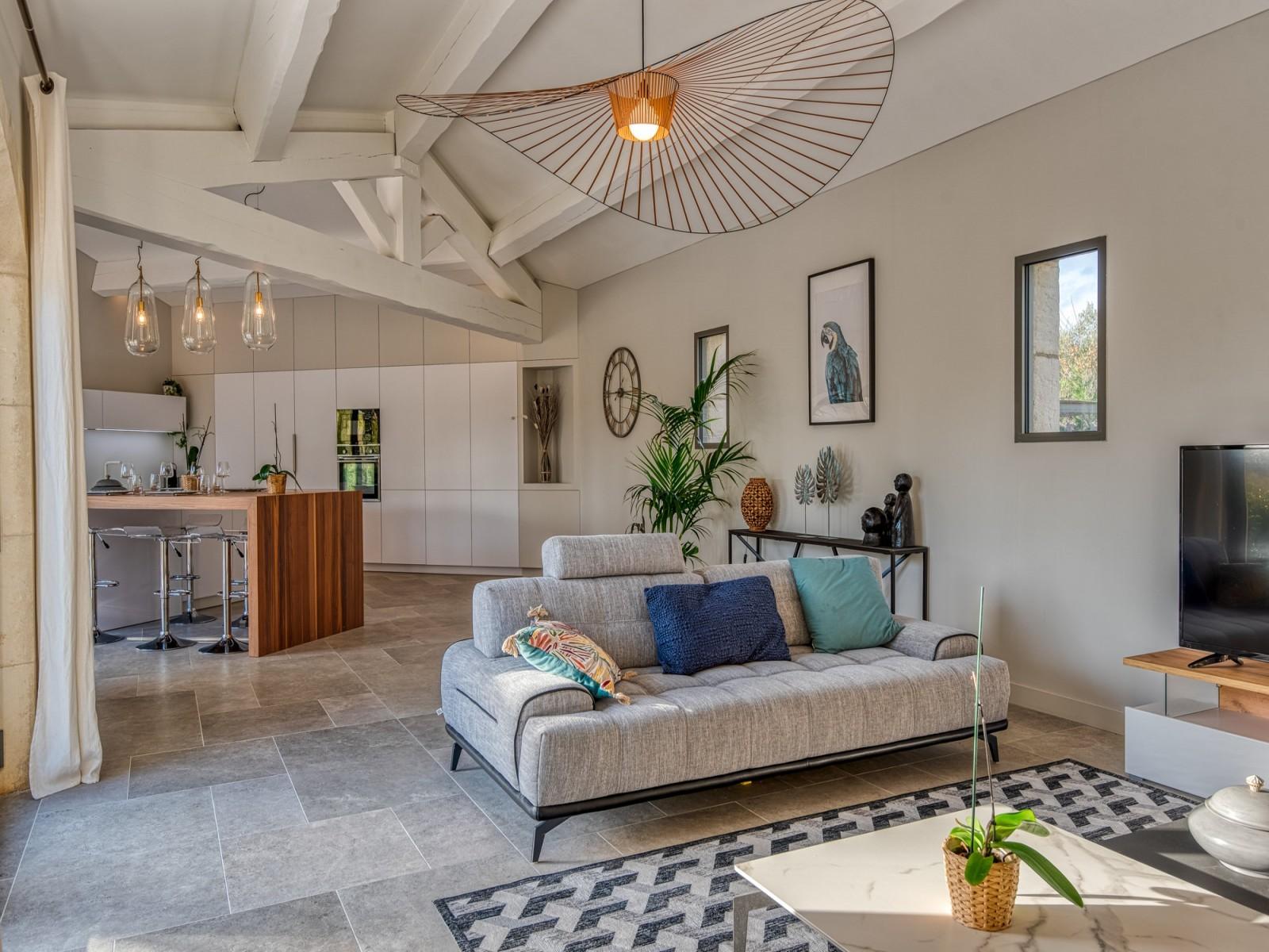 Saint Rémy De Provence Luxury Rental Villa Murcasite Living Room 2