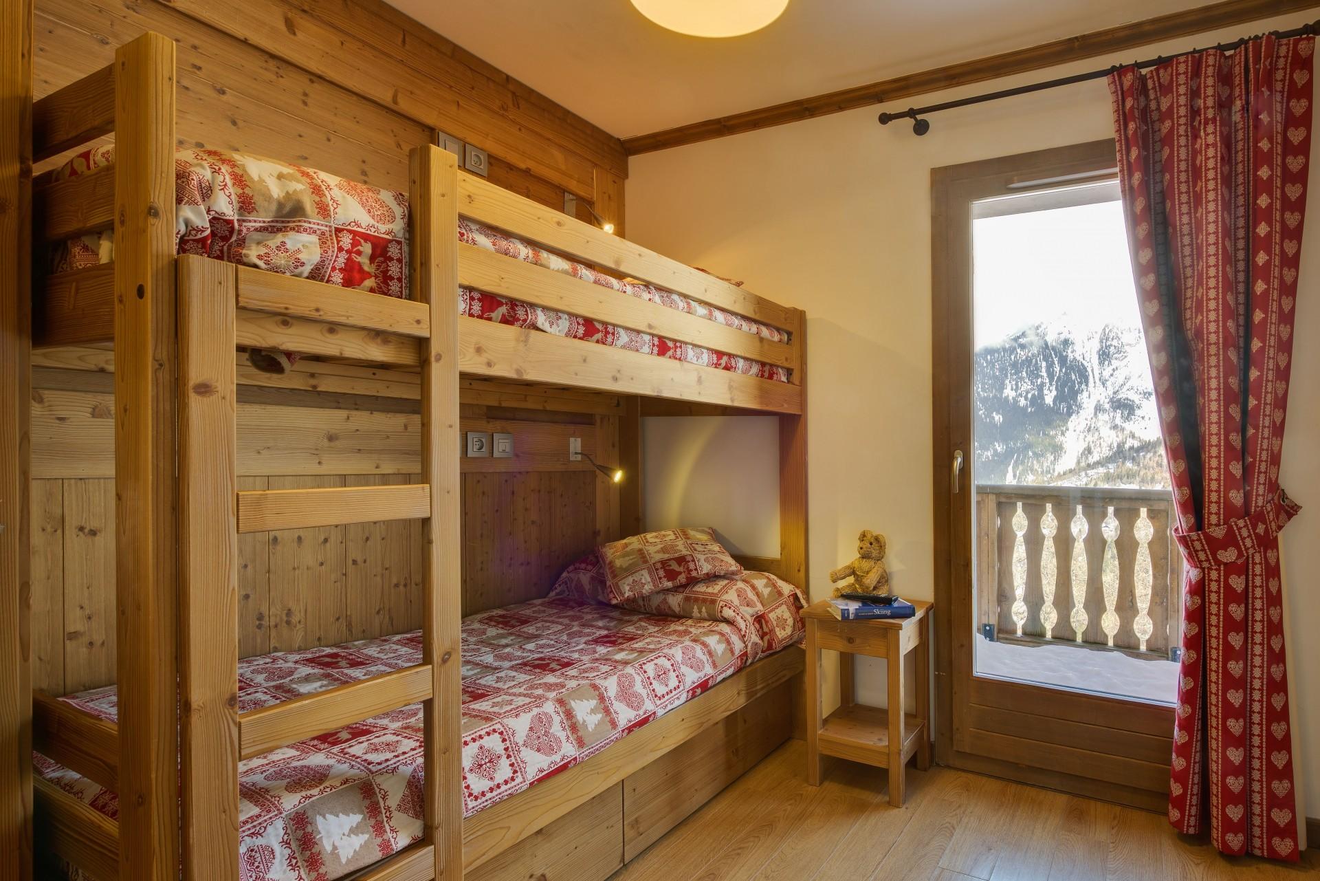 Sainte Foy Tarentaise Location Appartement Luxe Romerite Duplex Chambre 1