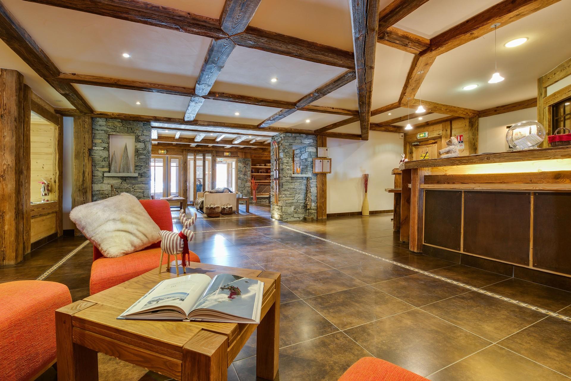 Sainte Foy Tarentaise Location Appartement Luxe Russandite Réception 1