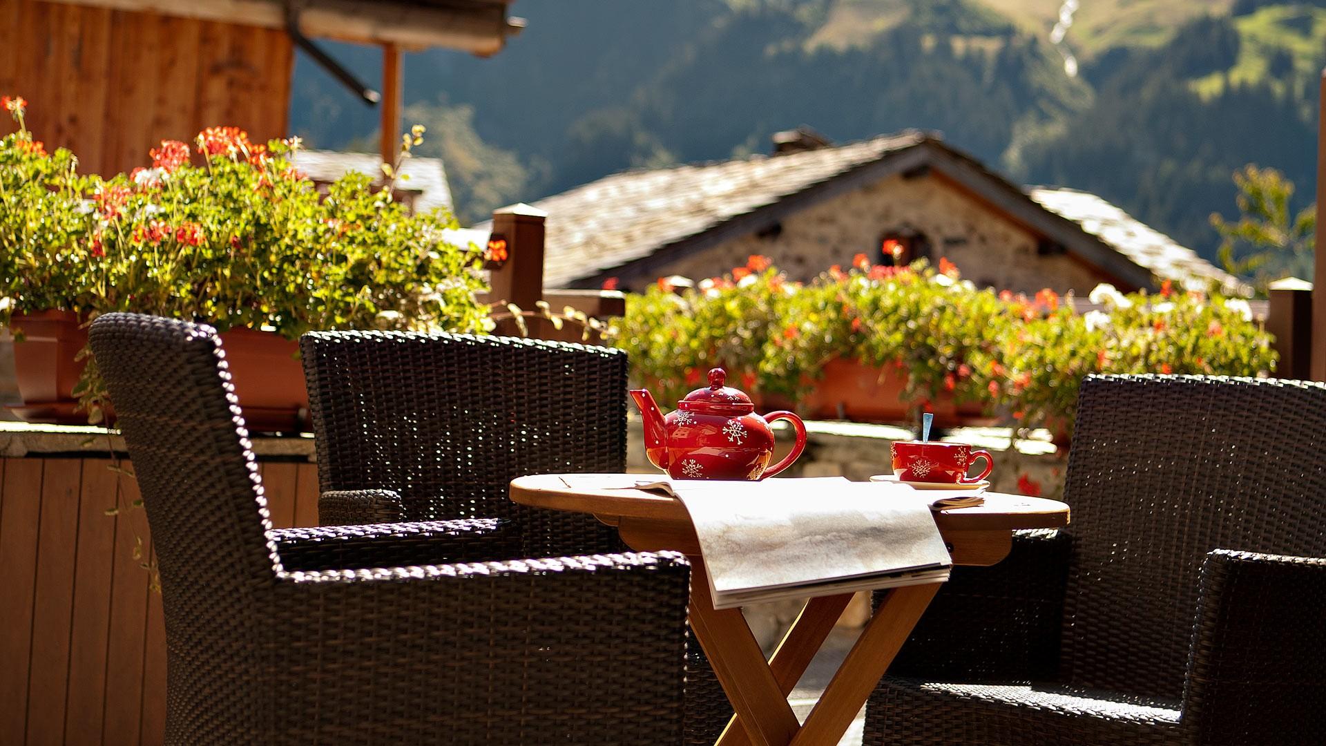 Sainte Foy Tarentaise Location Appartement Luxe Russandite Table Été