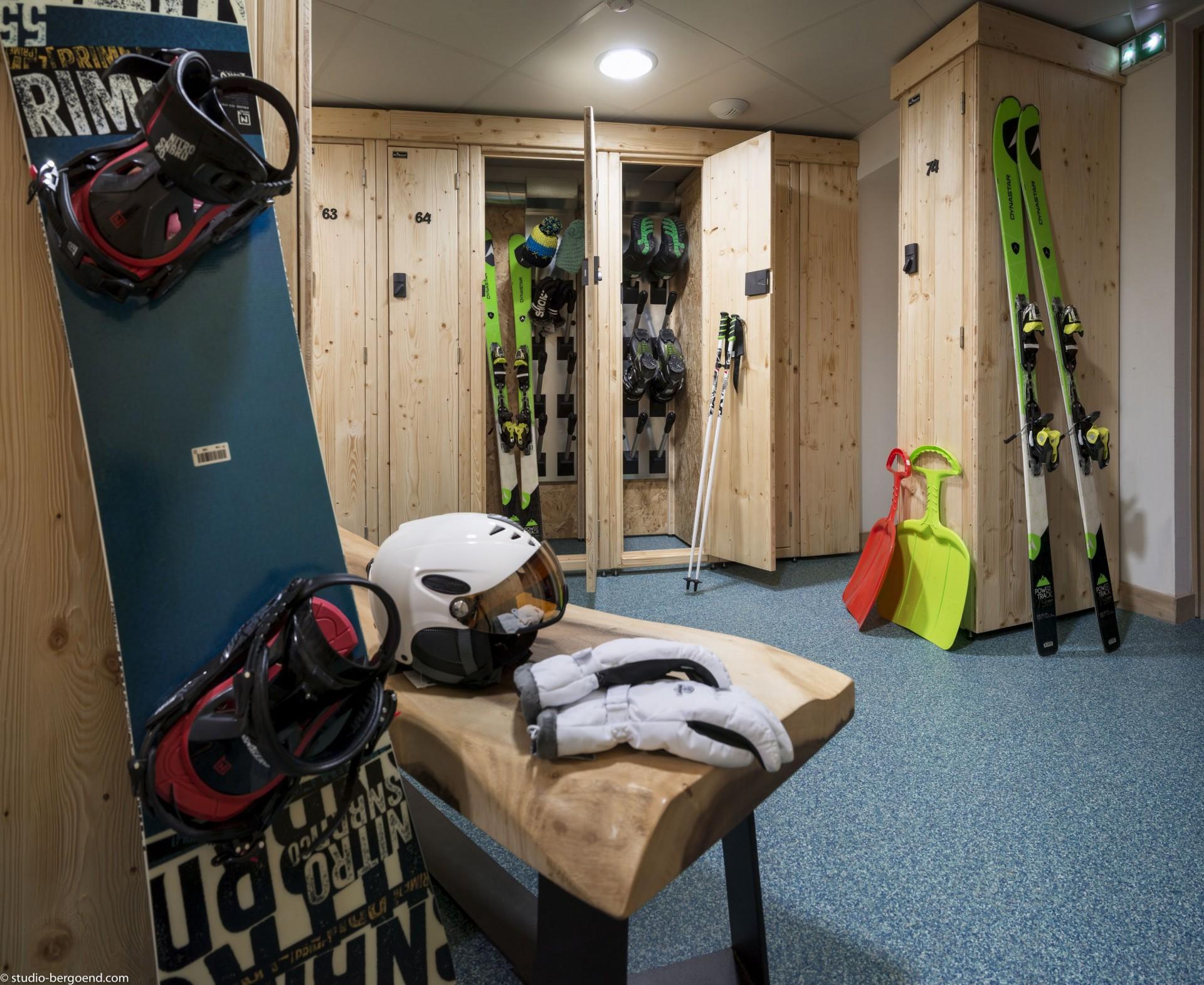 Tignes Rental Appartment Luxury Kyanite Ski Locker