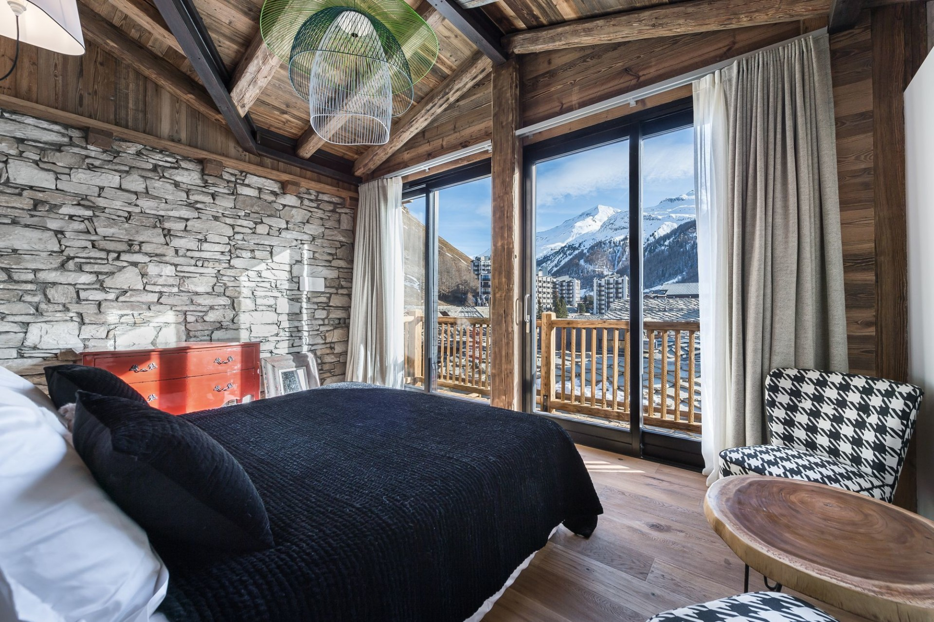 Val d'Isère Location Appartement Luxe Aramias Chambre 4
