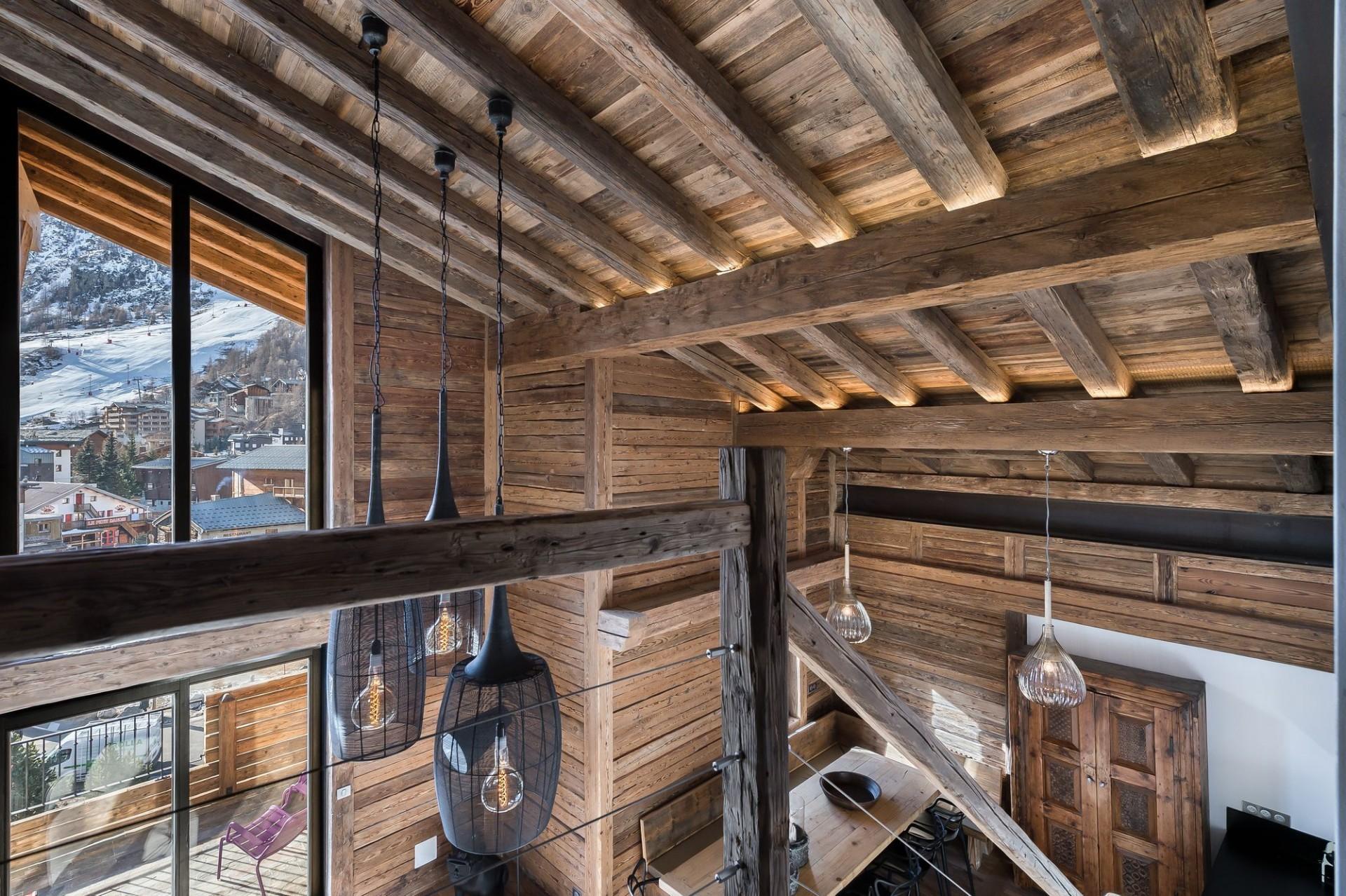 Val d'Isère Location Appartement Luxe Aramias Etage
