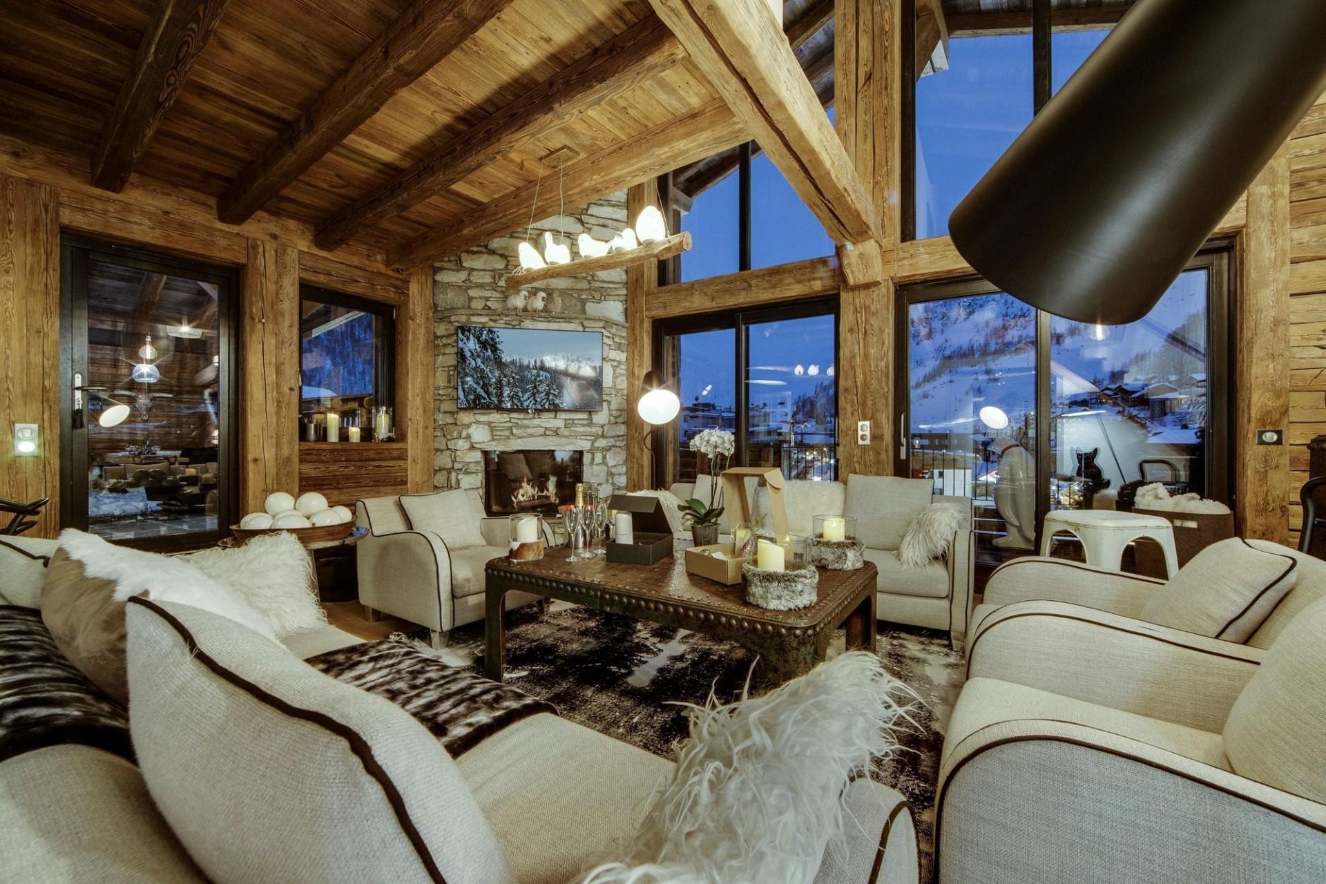 Val d'Isère Location Appartement Luxe Aramias Séjour 2