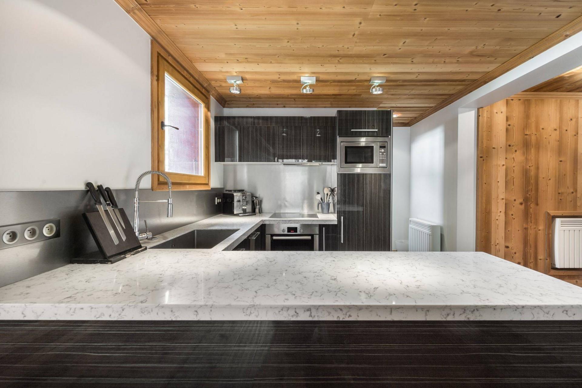 Val d'Isère Luxury Rental Appartment Burton Kitchen