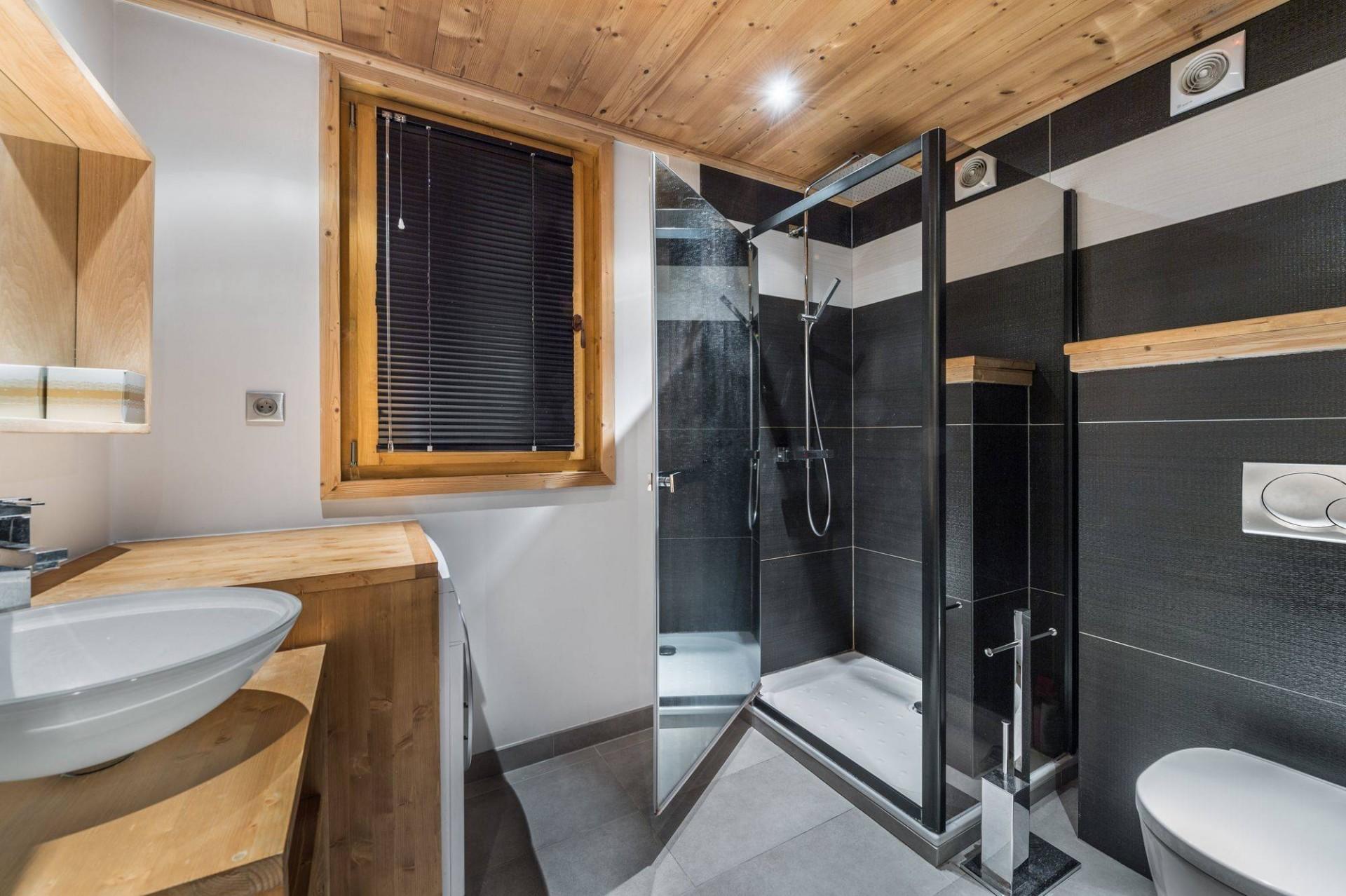 Val d'Isère Luxury Rental Appartment Burton Bathroom