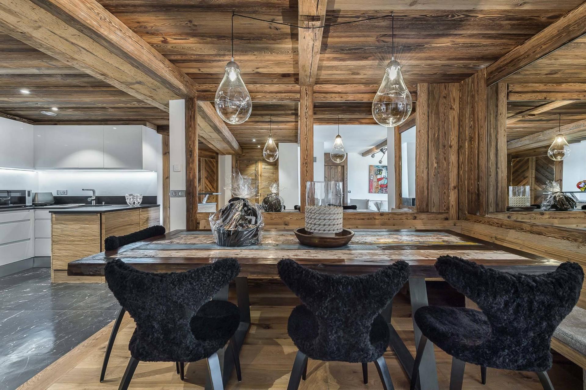 Val d'Isère Location Appartement Luxe Ucelite Salle A Manger