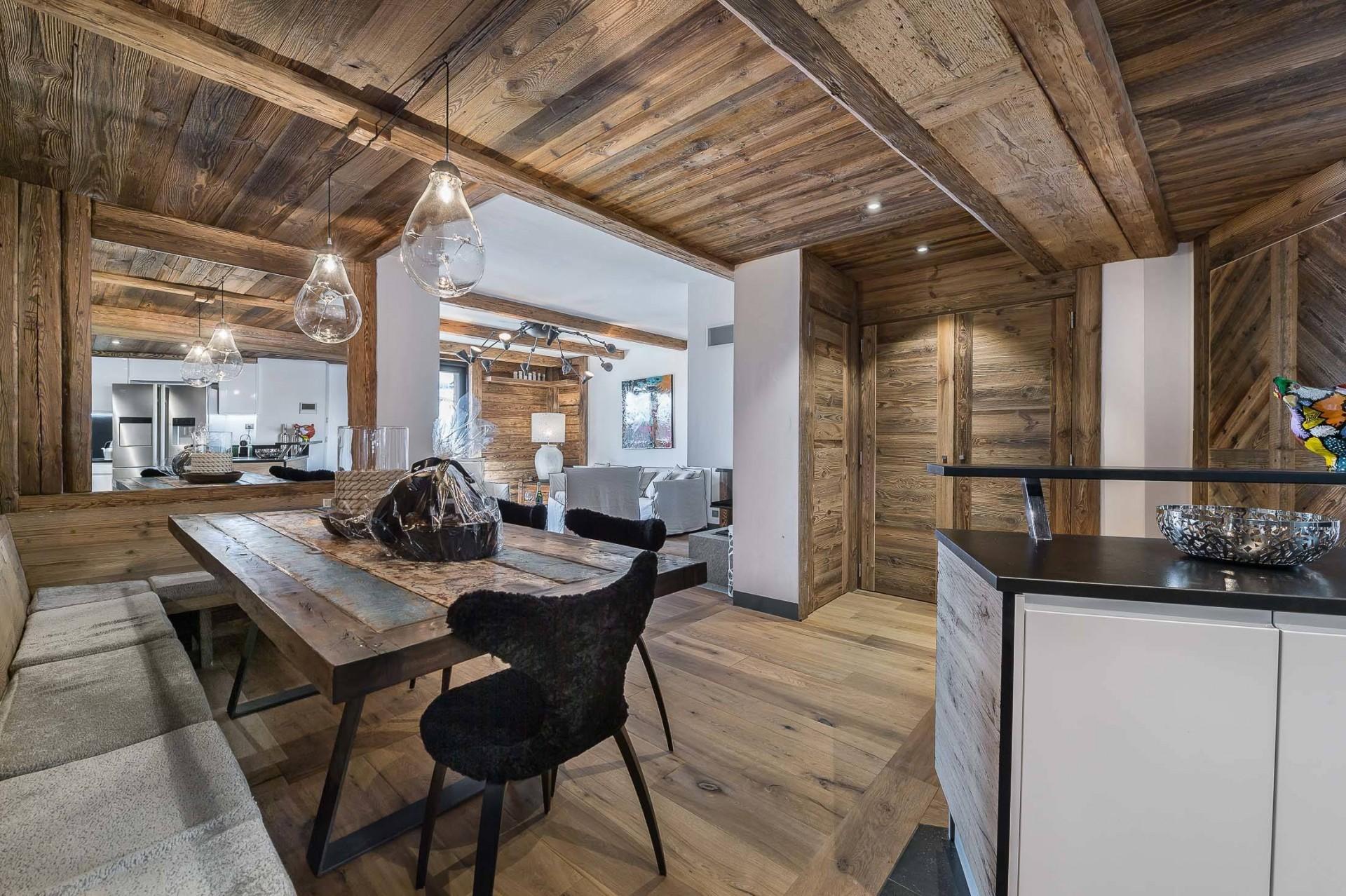 Val d'Isère Location Appartement Luxe Ucelite Salle A Manger 2