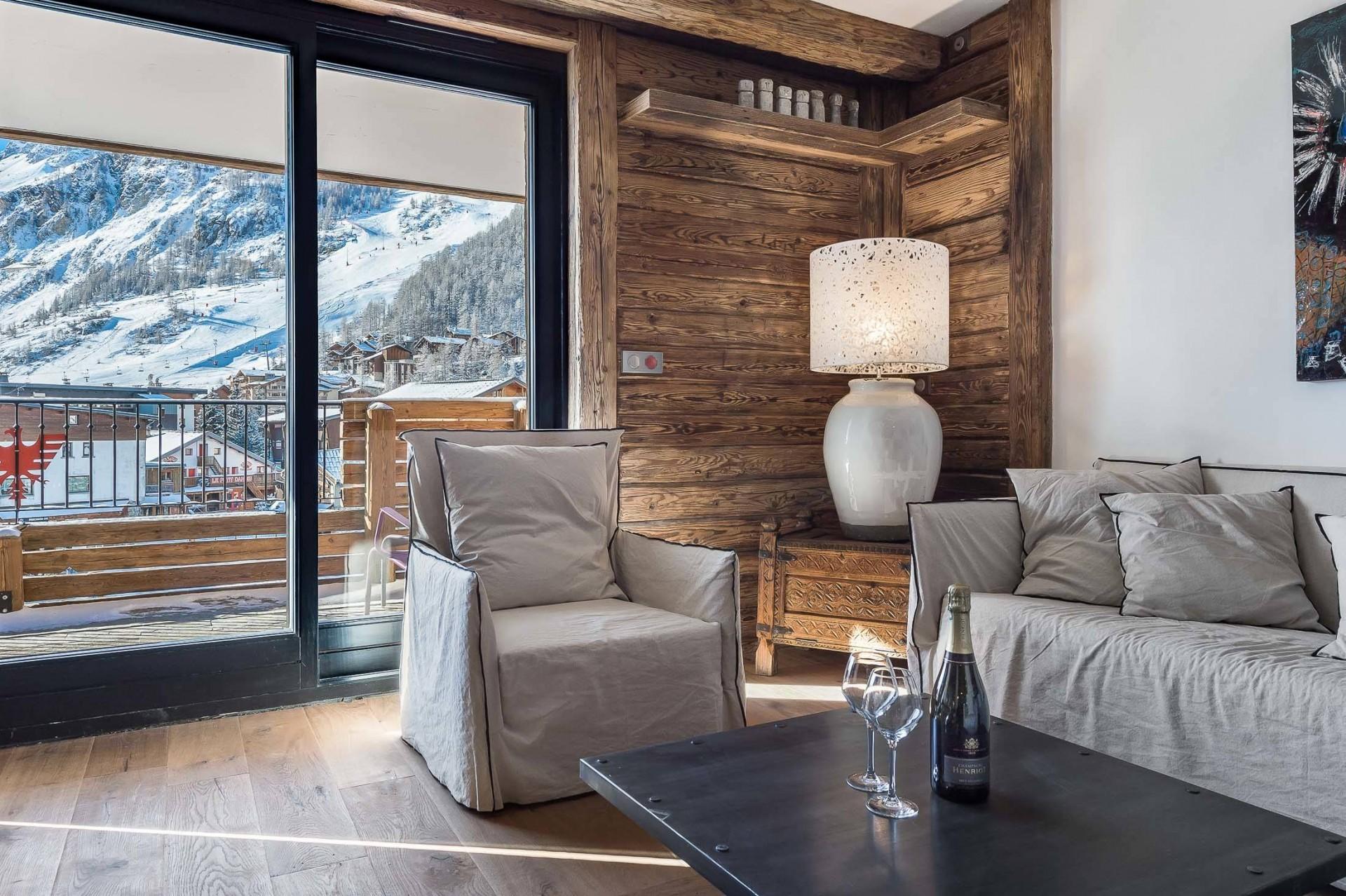 Val d'Isère Location Appartement Luxe Ucelite Séjour 2