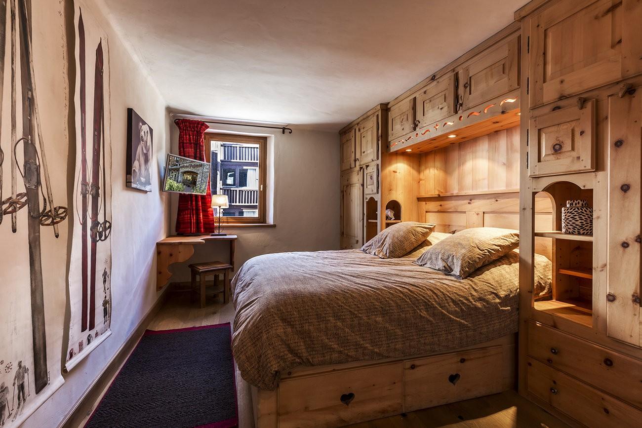 Val d'Isère Luxury Rental Apartment Vanuralite Bedroom 2