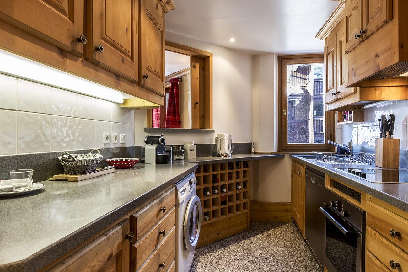Val d'Isère Luxury Rental Apartment Vanuralite Kitchen