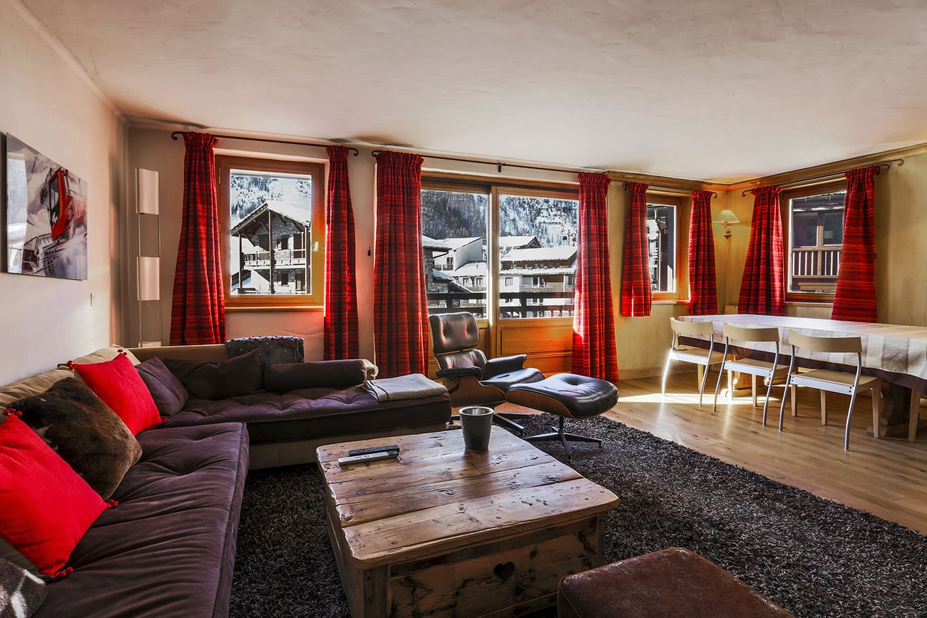 Val d'Isère Luxury Rental Apartment Vanuralite Living Area