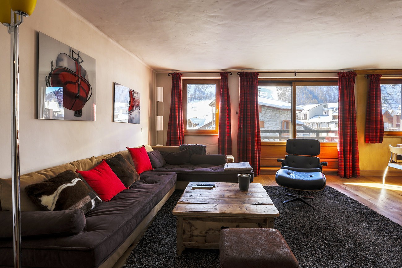 Val d'Isère Luxury Rental Apartment Vanuralite Living Area 2
