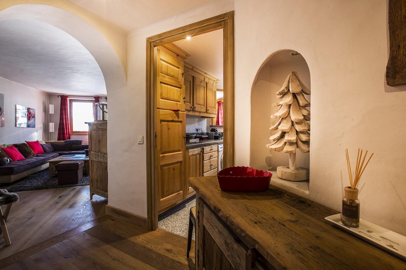Val d'Isère Luxury Rental Apartment Vanuralite Living Area 5