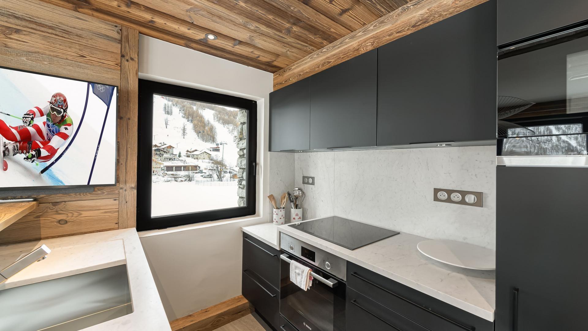 Val d'Isère Location Appartement Luxe Varmite Cuisine