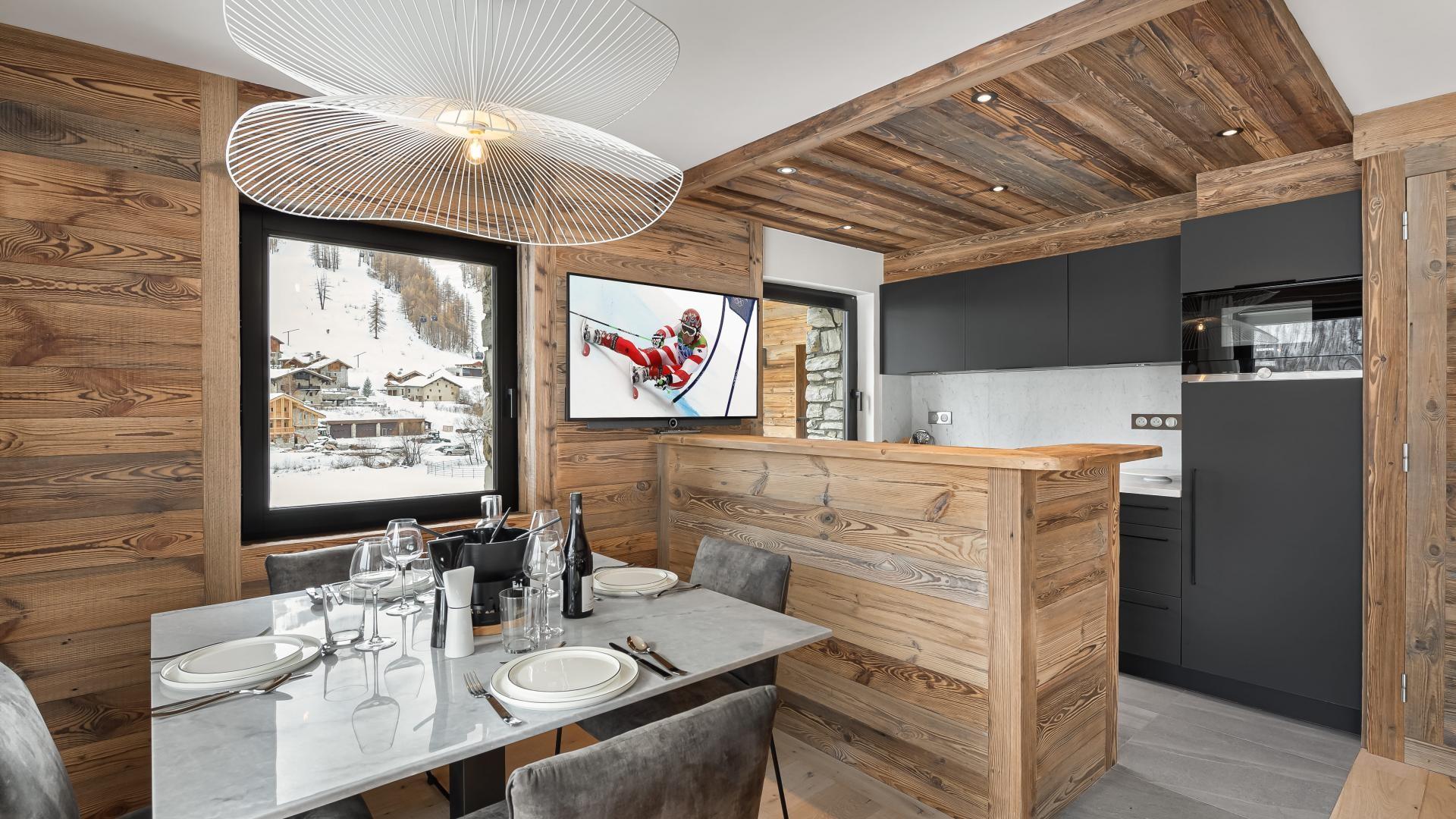 Val d'Isère Location Appartement Luxe Varmite Cuisine1