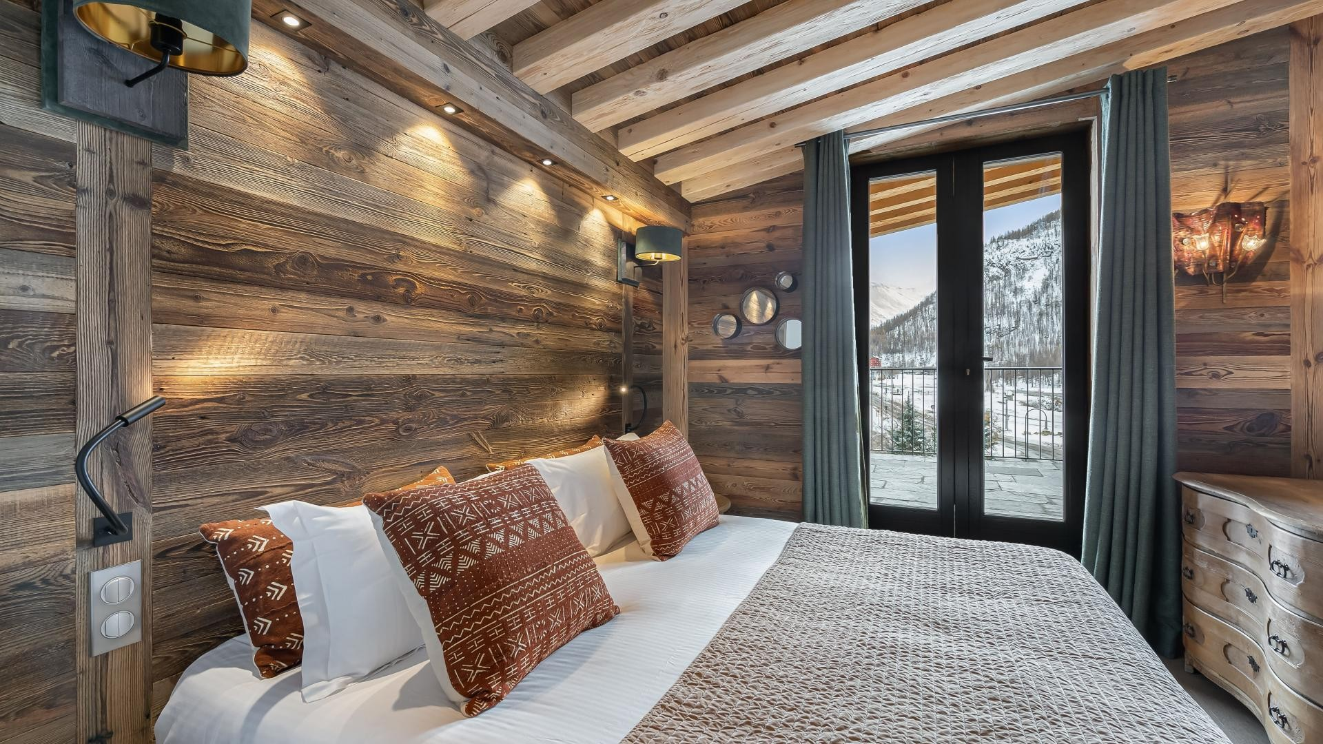 Val d'Isère Location Appartement Luxe Varvate Chambre5