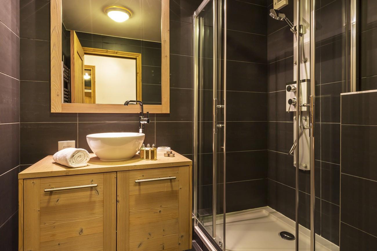 Val d'Isère Location Appartement Luxe Vaselote Salle De Bain 2