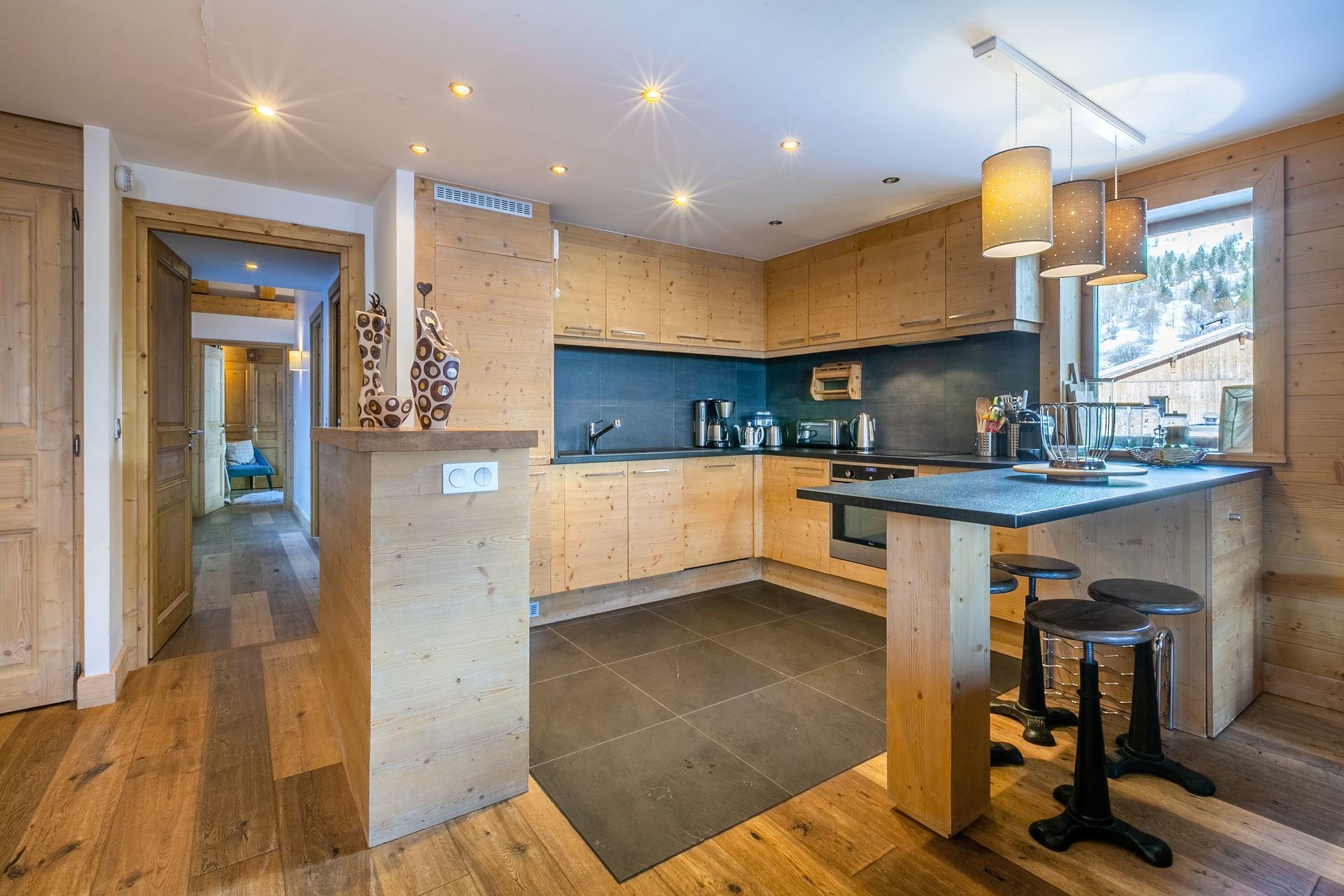 Val d'Isère Location Appartement Luxe Vatelis Cuisine