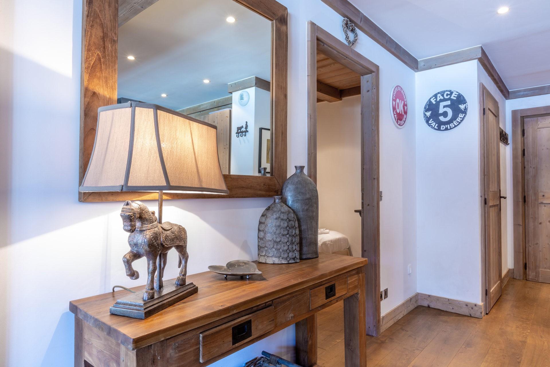 Val d'Isère Luxury Rental Apartment Vaulite Living Area 4