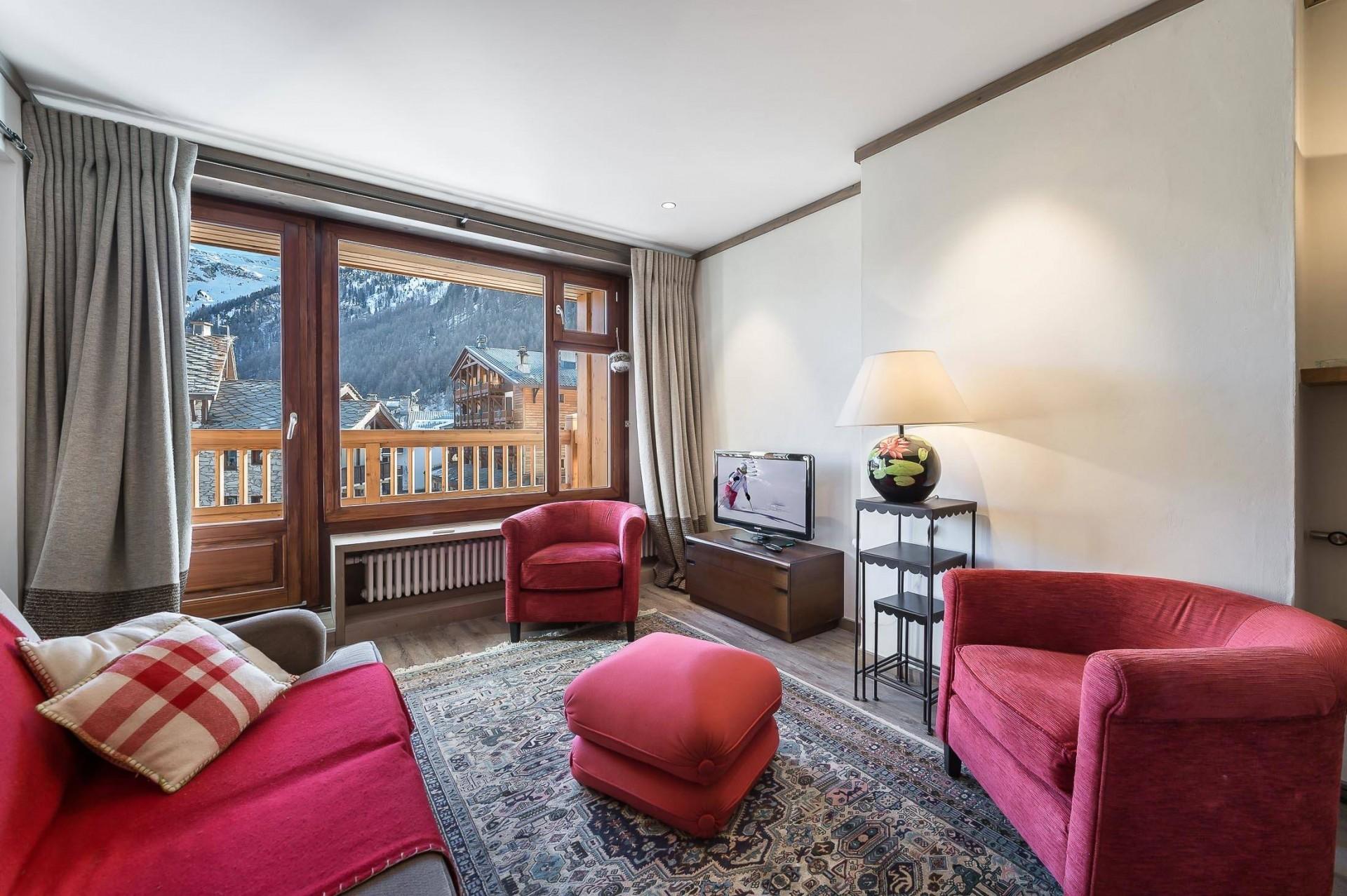 Val d'Isère Luxury Rental Appartment Vazuli Living Area 2