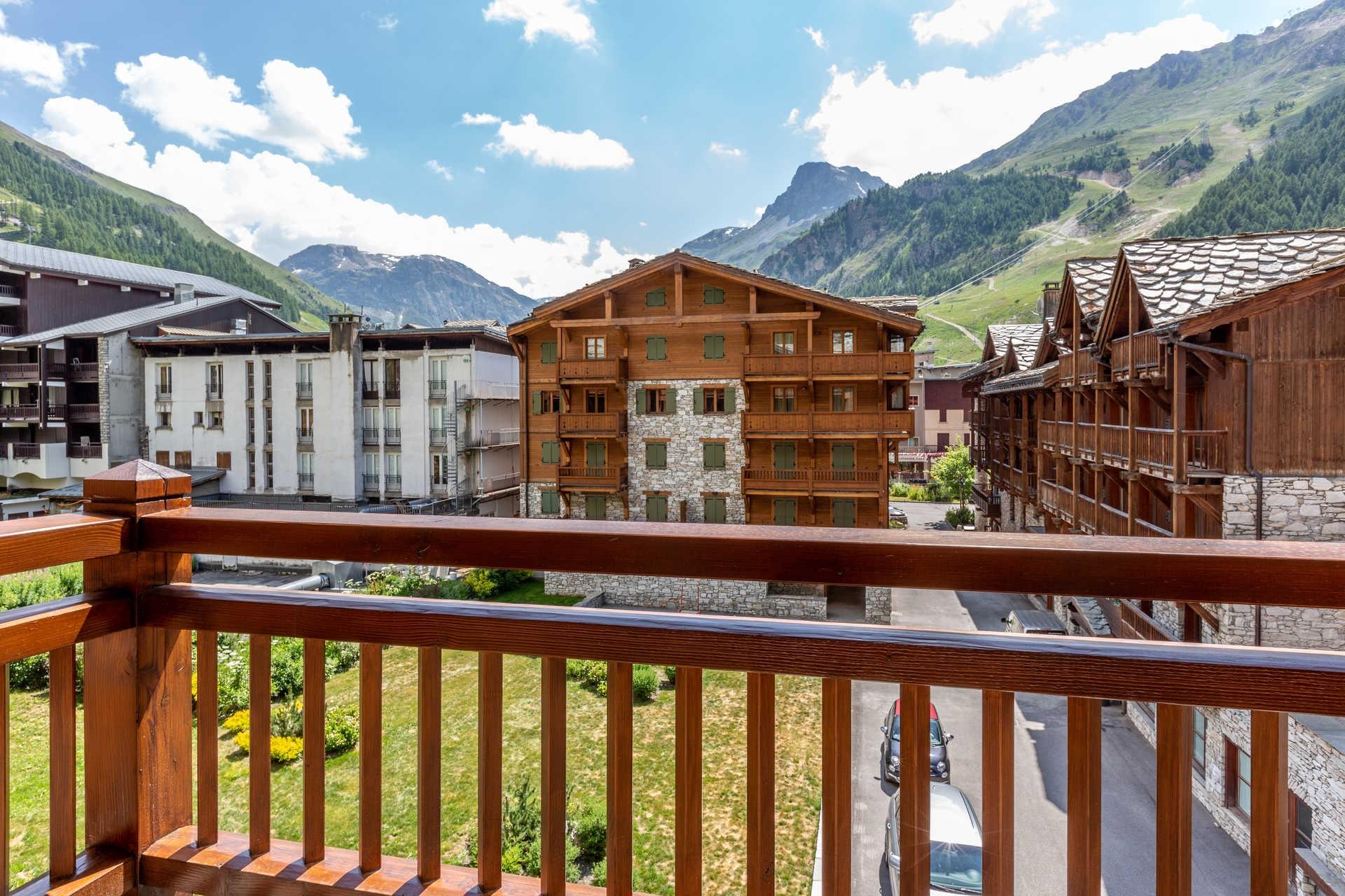 Val d'Isère Location Appartement Luxe Venturina Balcon