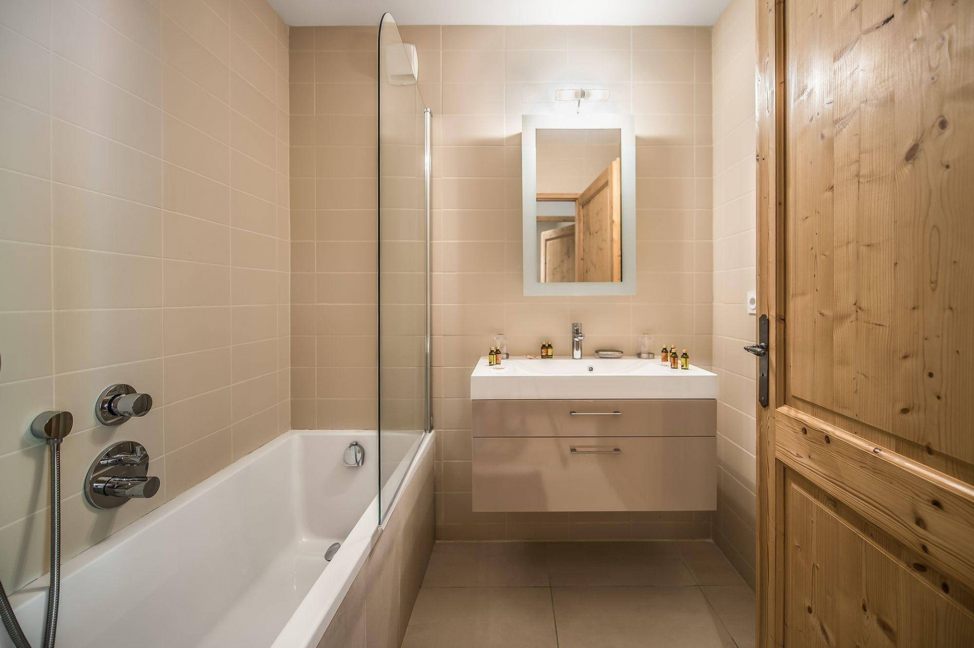 Val d'Isère Luxury Rental Appartment Vezuli Bathroom