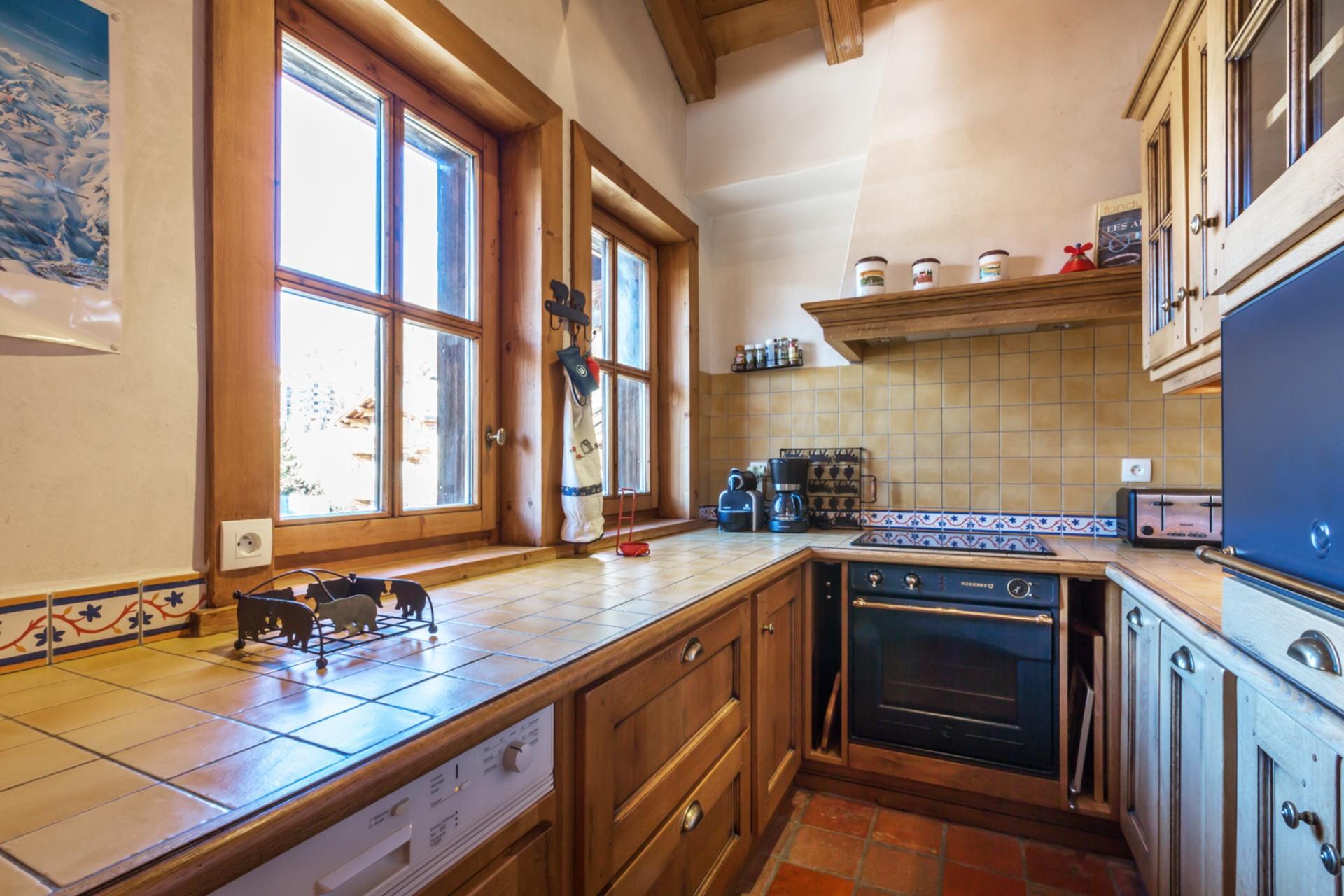 Val d'Isère Location Appartement Luxe Violane Cuisine