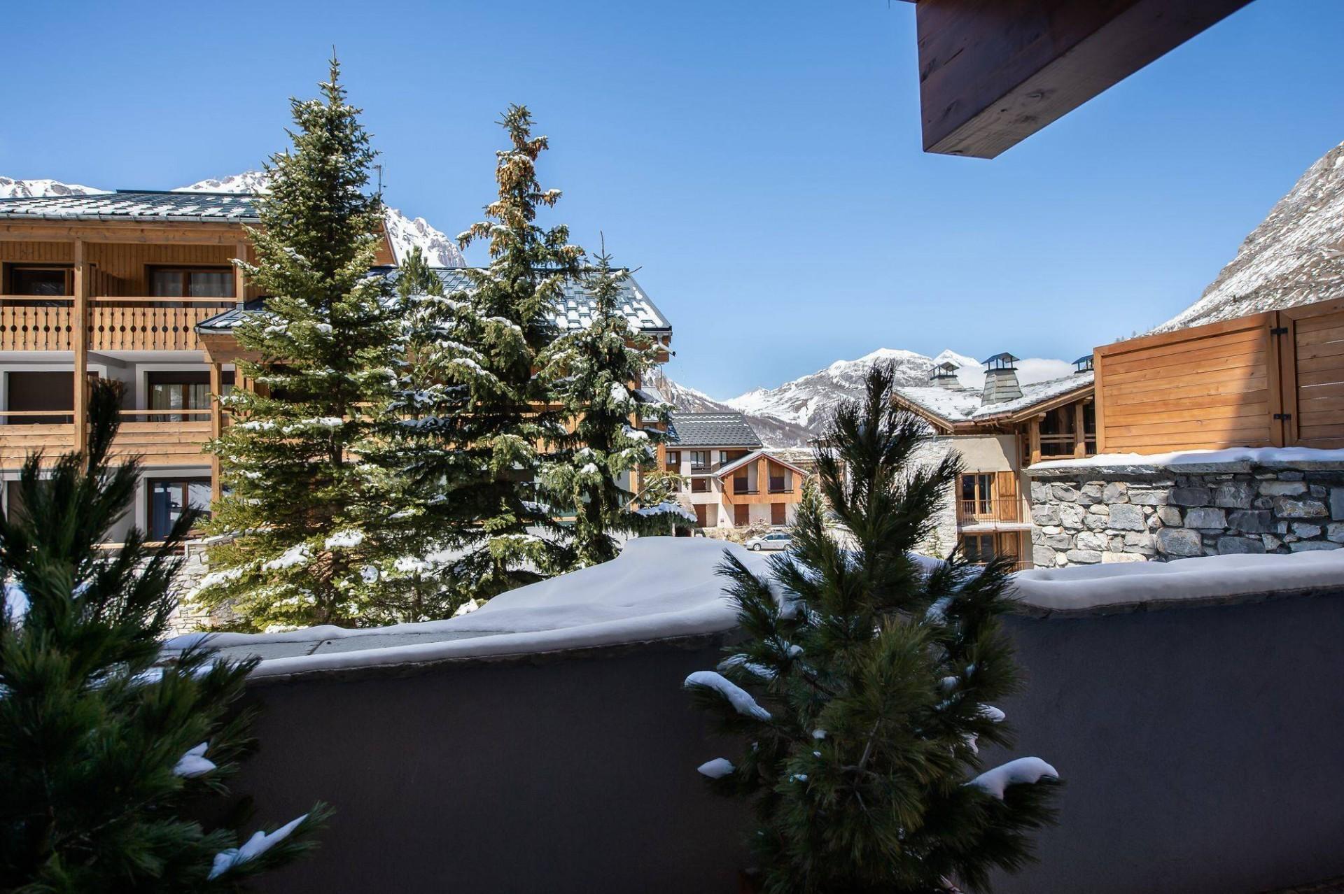 Val d'Isère Location Appartement Luxe Virlonte Balcon