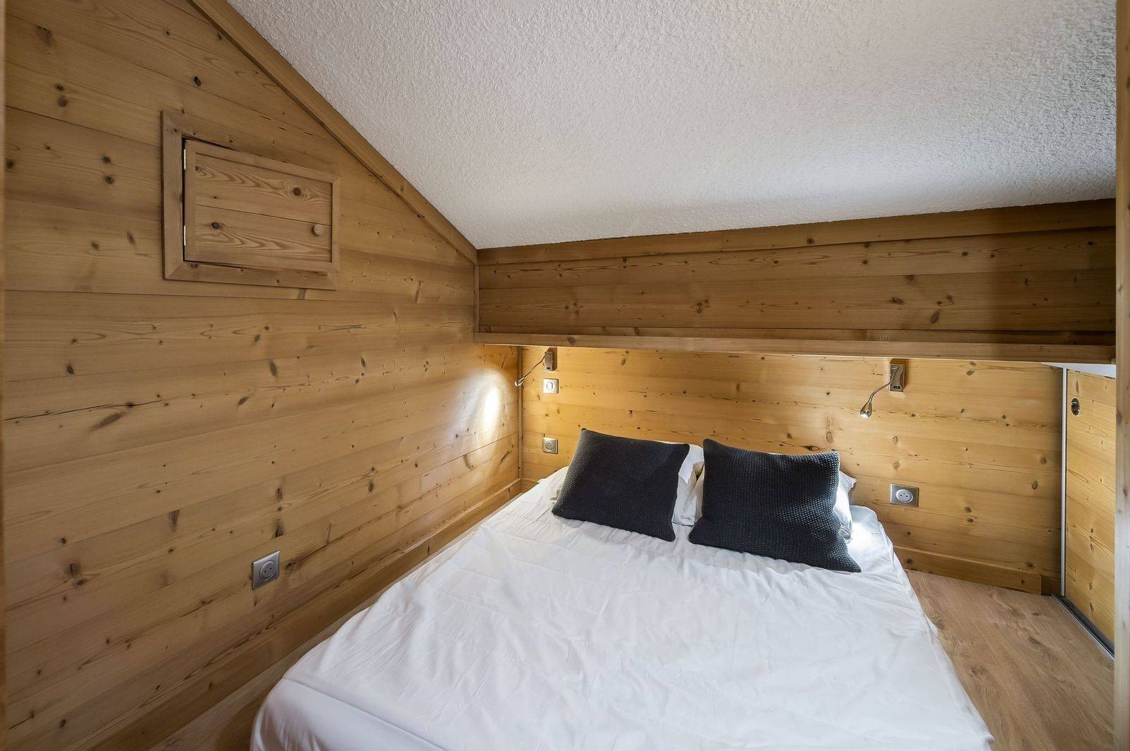 Val d'Isère Luxury Rental Appartment Virlouve Bedroom