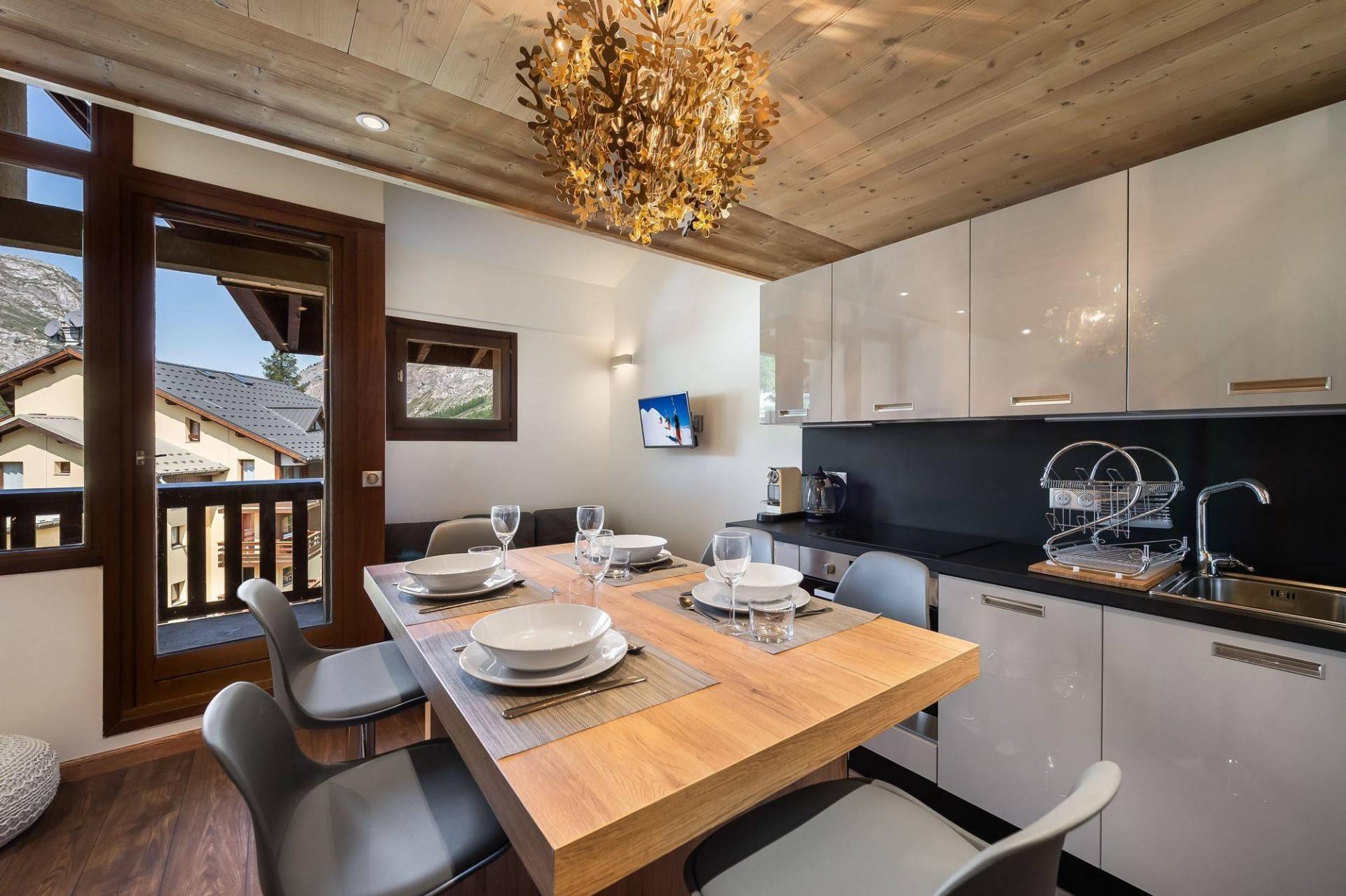 Val d'Isère Luxury Rental Appartment Virlouve Kitchen