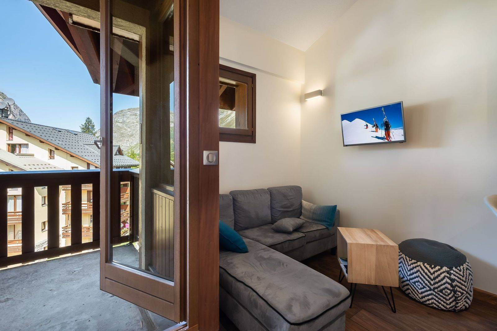 Val d'Isère Luxury Rental Appartment Virlouve Living Area