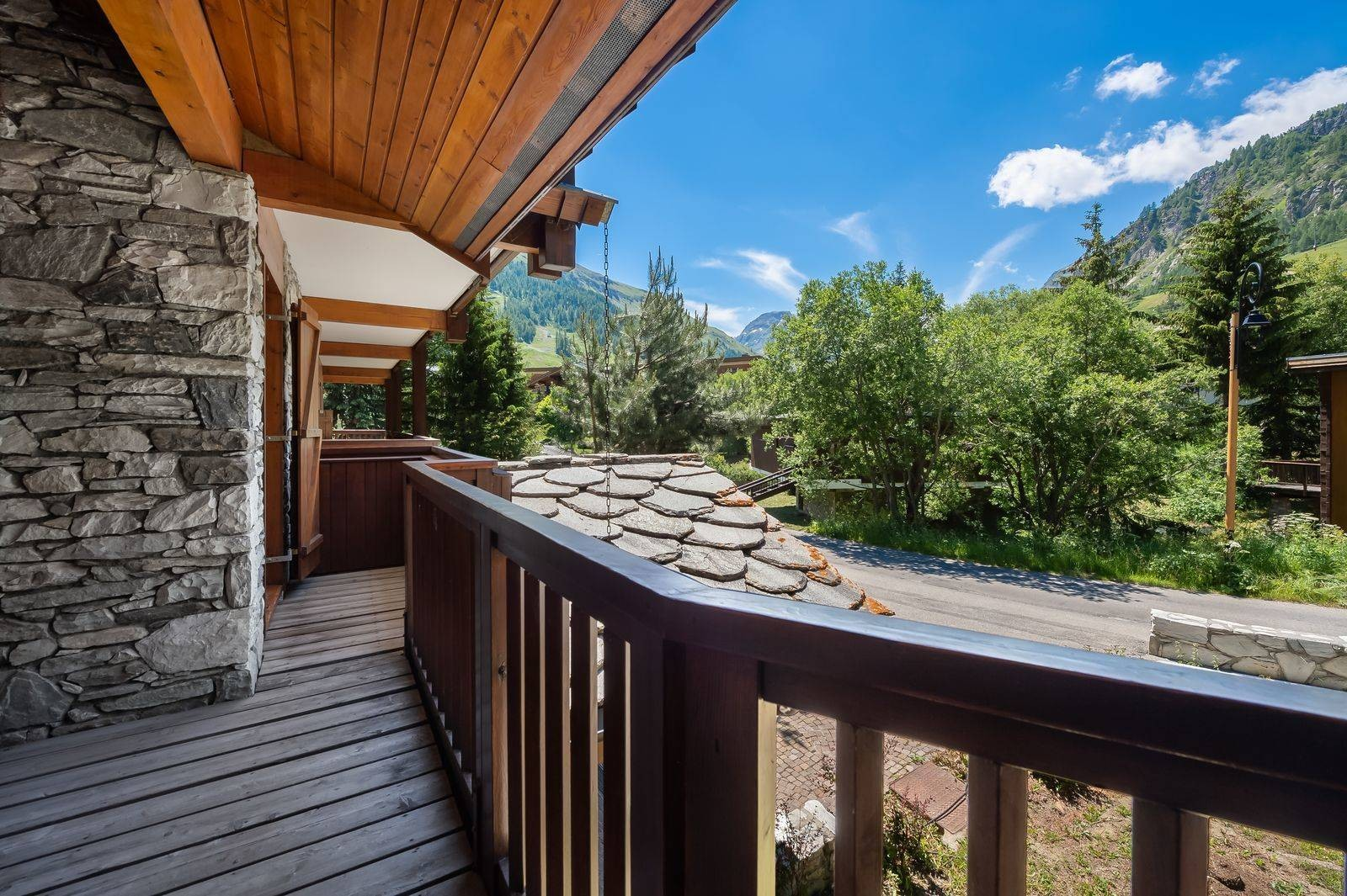 Val d'Isère Location Appartement Luxe Vitalane Balcon