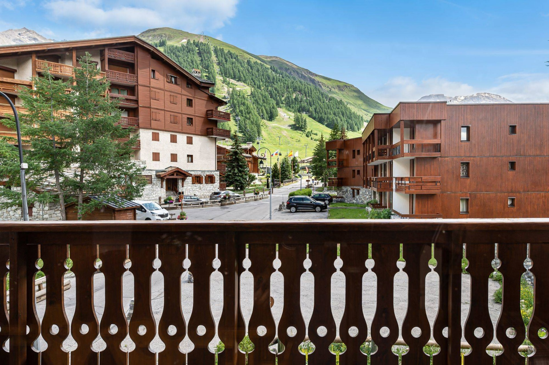 Val d'Isère Location Appartement Luxe Vitolan Balcon