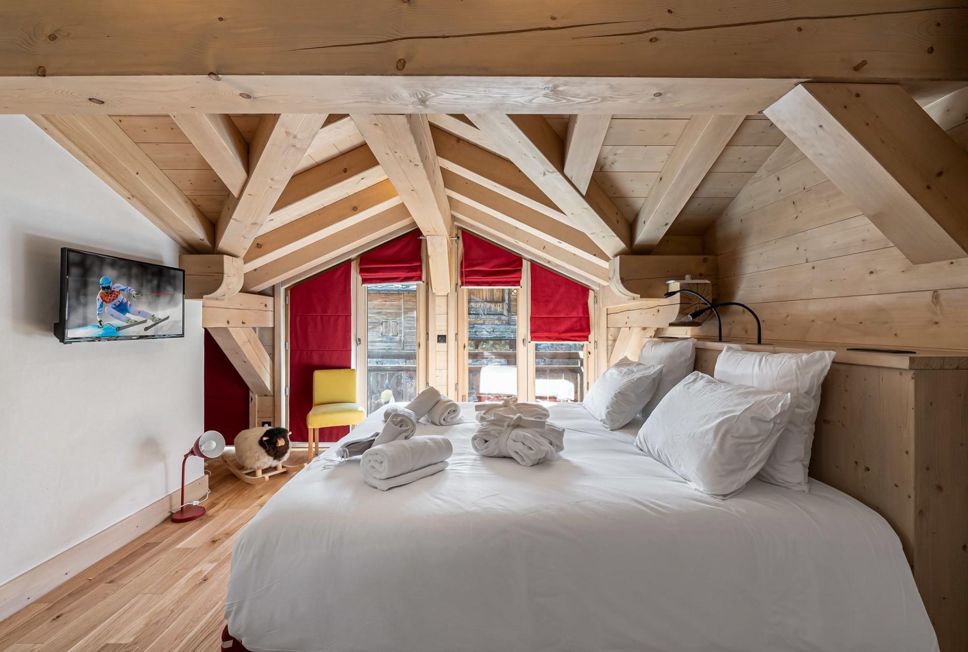 Val d'Isère Luxury Rental Chalet Eclaito Bedroom 3