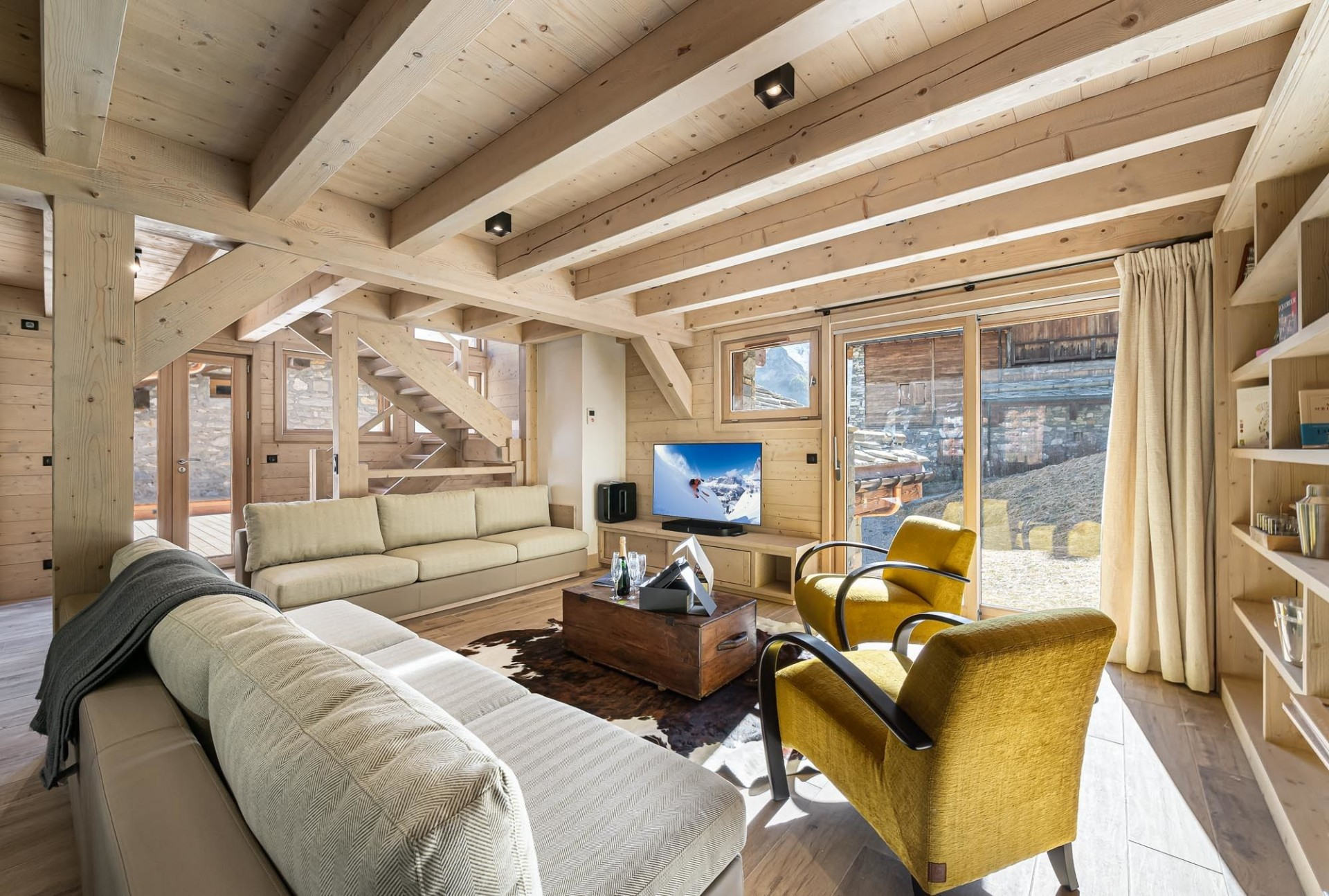 Val d'Isère Luxury Rental Chalet Eclaito Living Area 2