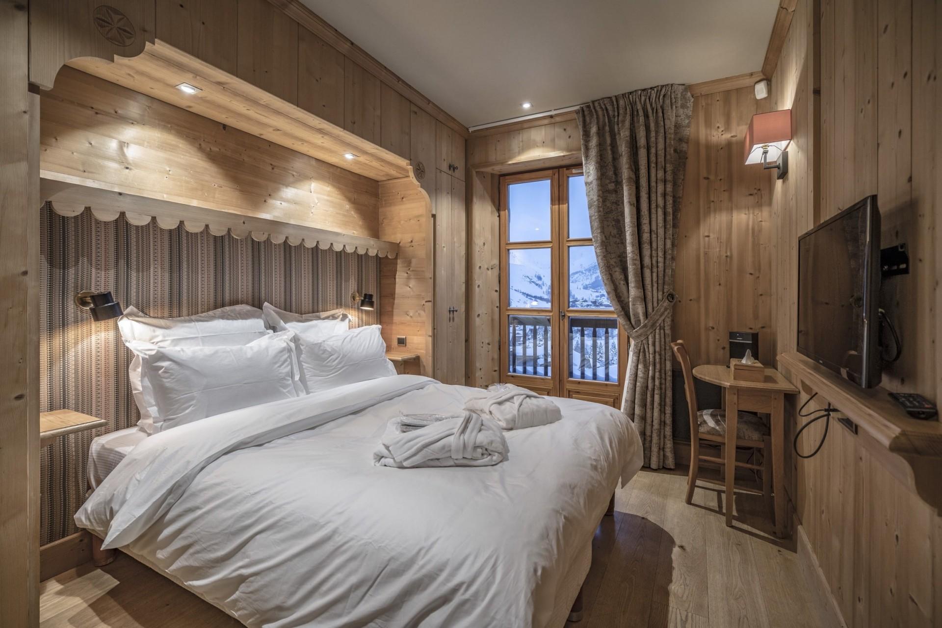 Val d'Isère Location Chalet Luxe Grenat De Boheme Chambre3