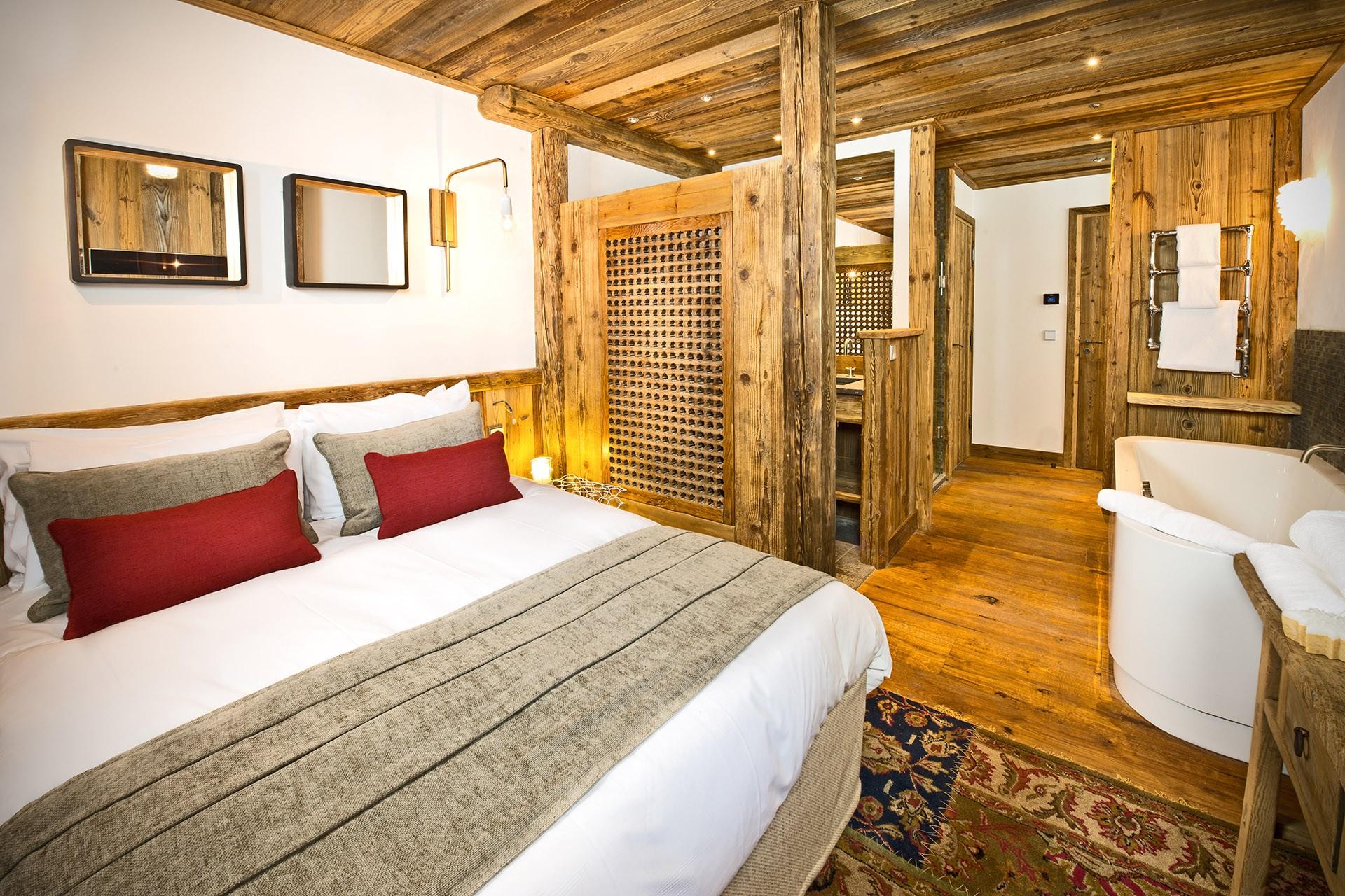 Val D'Isère Luxury Rental Chalet Umbite Bedroom