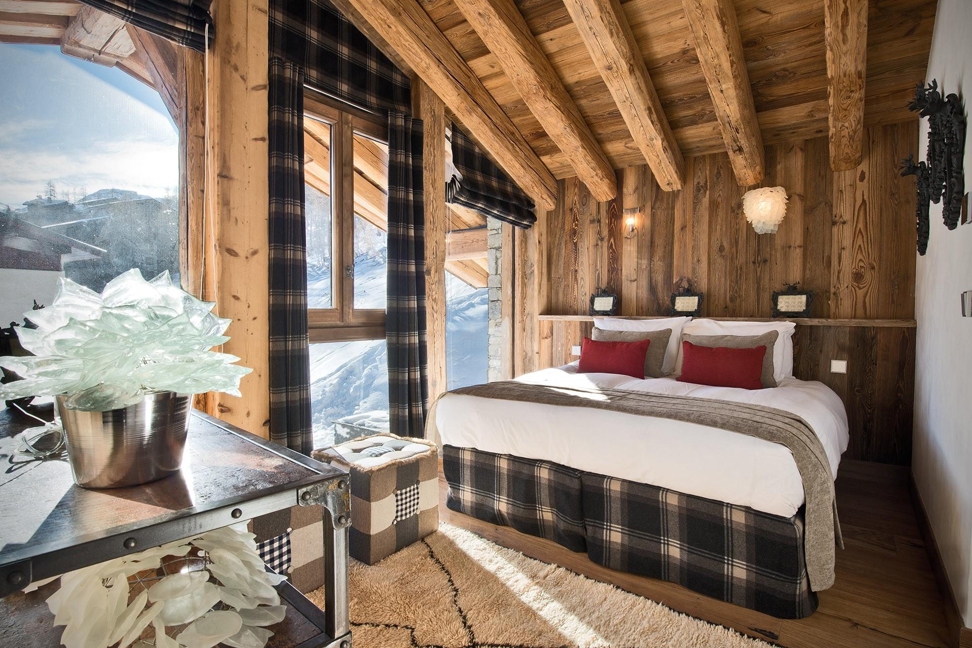 Val D'Isère Luxury Rental Chalet Umbite Bedroom 4