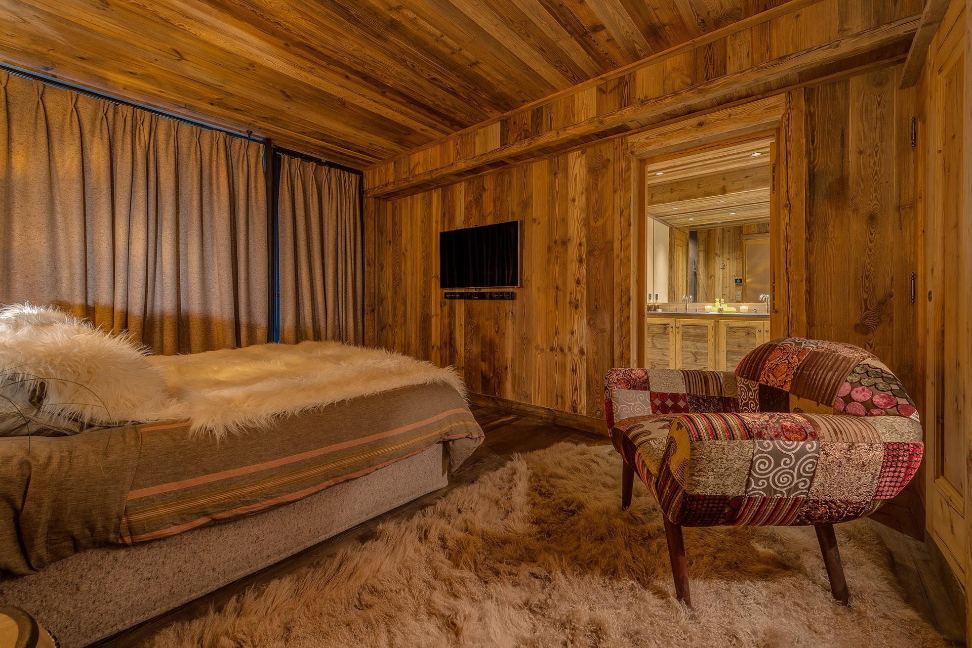 Val D'Isère Luxury Rental Chalet Umbute Bedroom 4