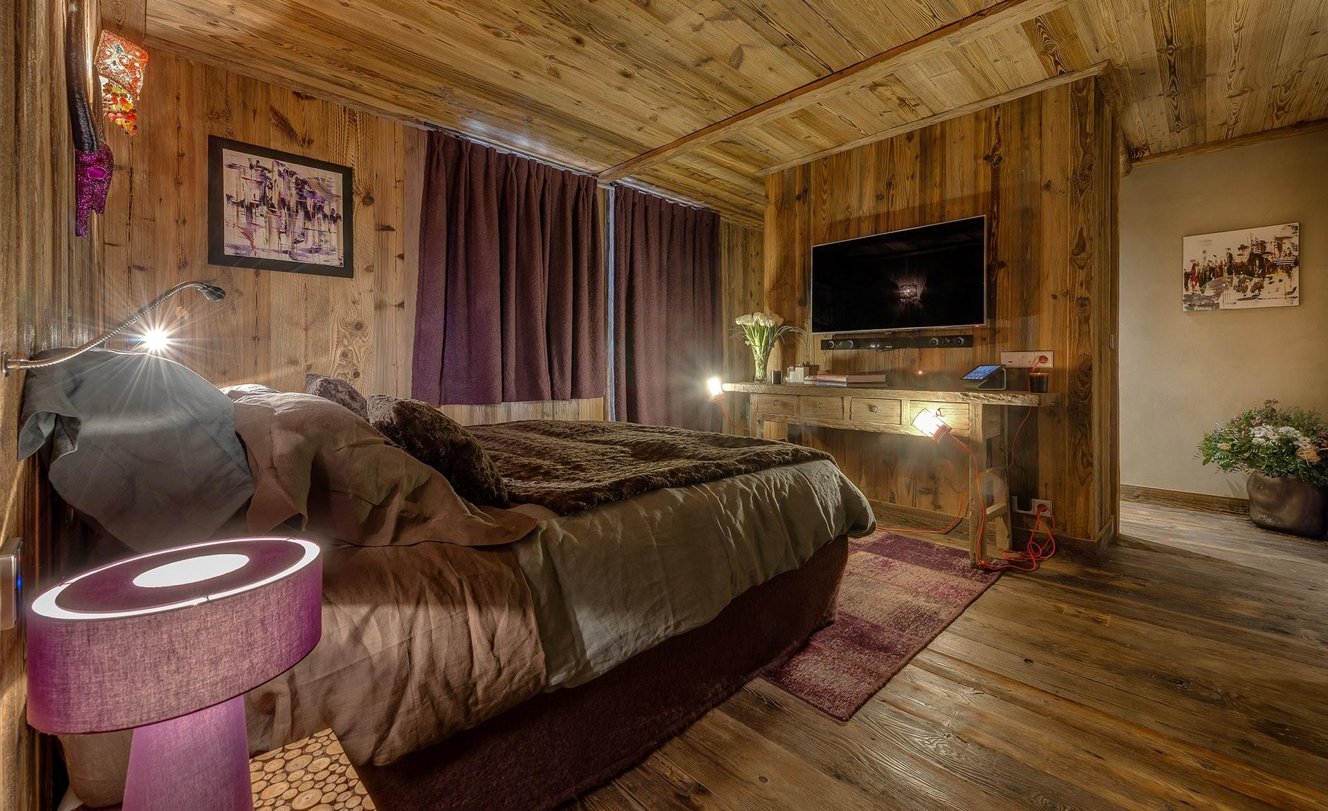 Val D'Isère Luxury Rental Chalet Umbute Bedroom 8