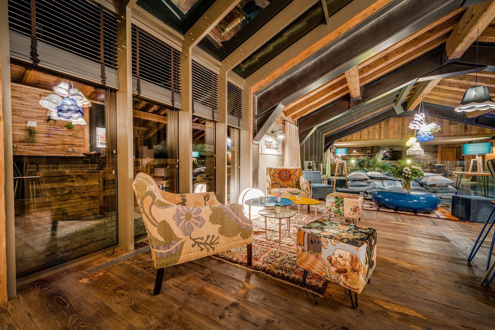 Val D'Isère Luxury Rental Chalet Umbute Living Room 4