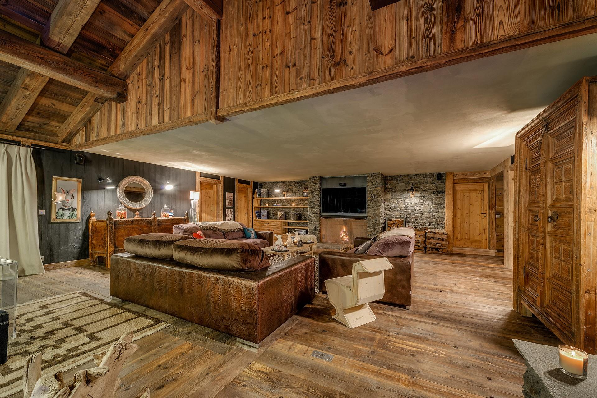 Val D'Isère Luxury Rental Chalet Umbute Living Room 7
