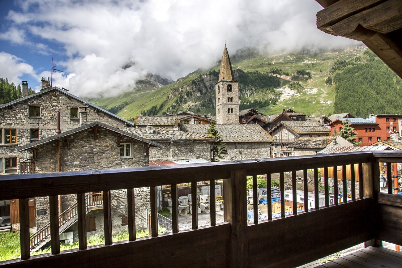 Val d'Isère Location Chalet Luxe Vasel Balcon